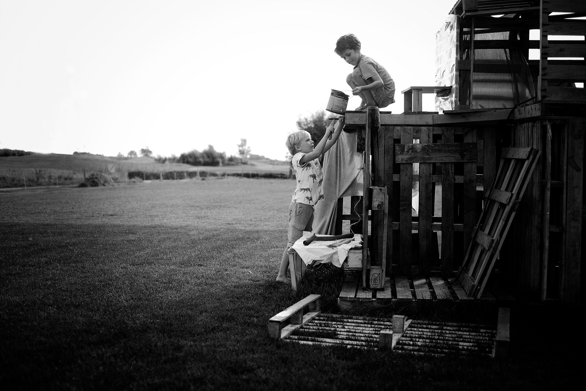 Best friends building their own home :) by AdrielleFotografie