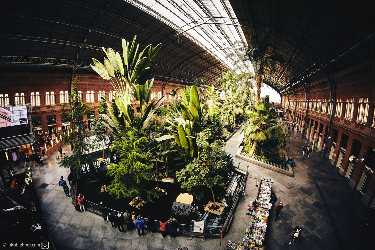 Coolest Railwaystaition ever by Jakob Lehner