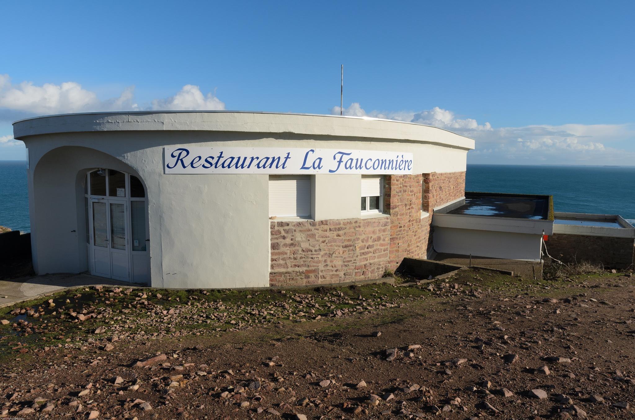 La Fauconnière, Bretagne- Cap Fréhel by Peter Geys