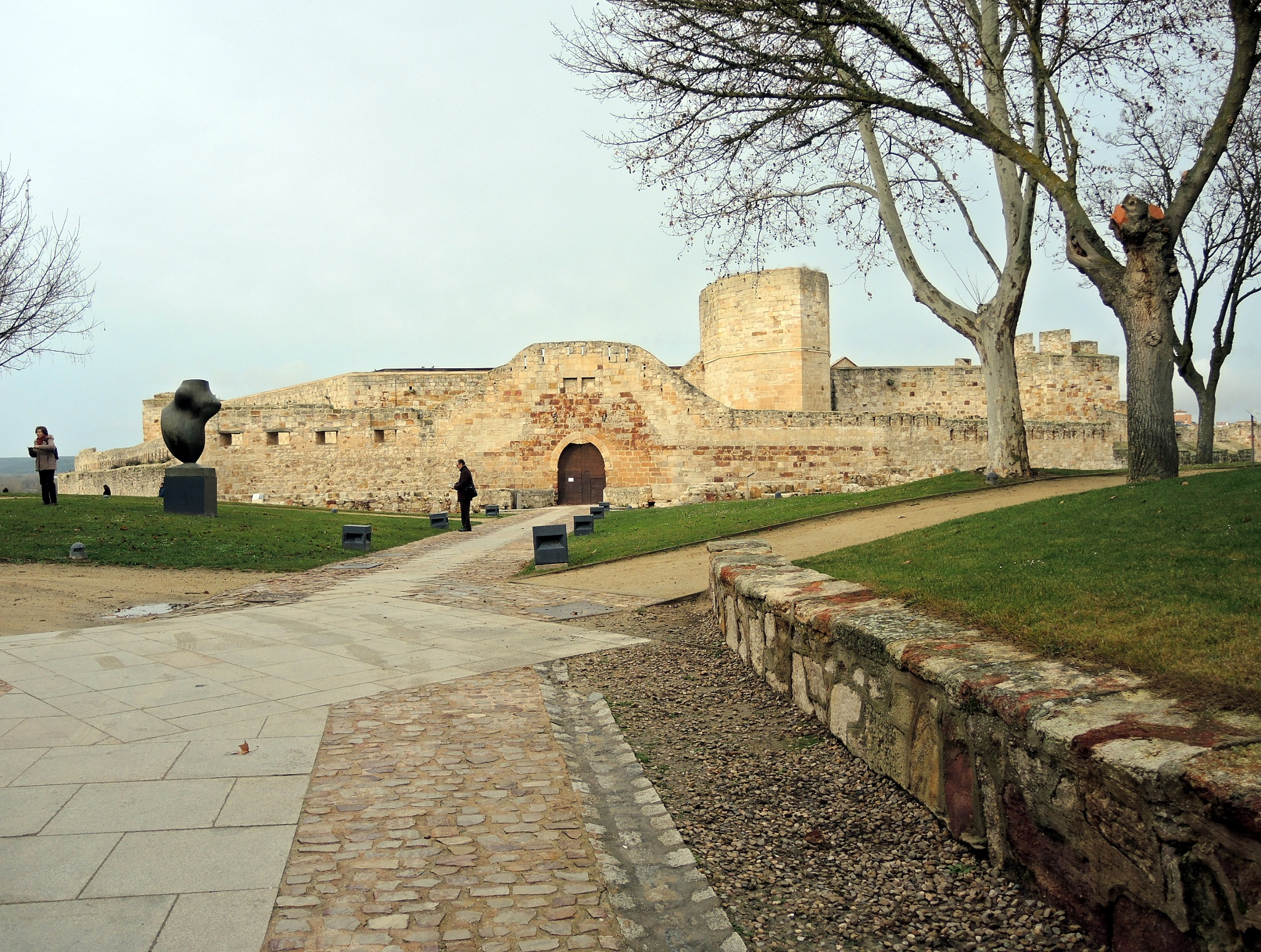 Photo in Travel #parque #park #castillo #castle #patrimonio #heritage #viajes #travel #cultura #árboles #trees #zamora #españa #spain #castilla y león #europa #invierno #winter