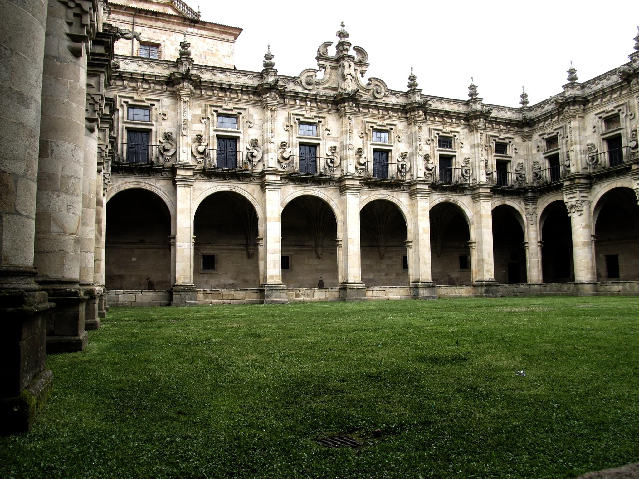 Patio del Monasterio by Dario Alvarez