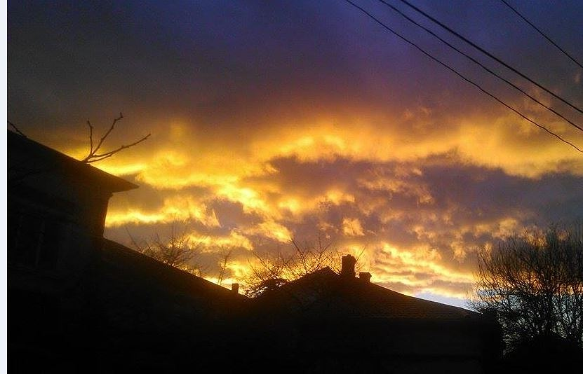 A beautiful sky  by Lia Dumitru