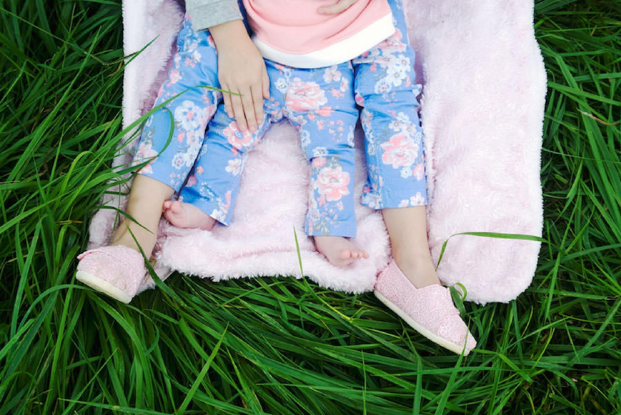 Little Feet by erinsunday