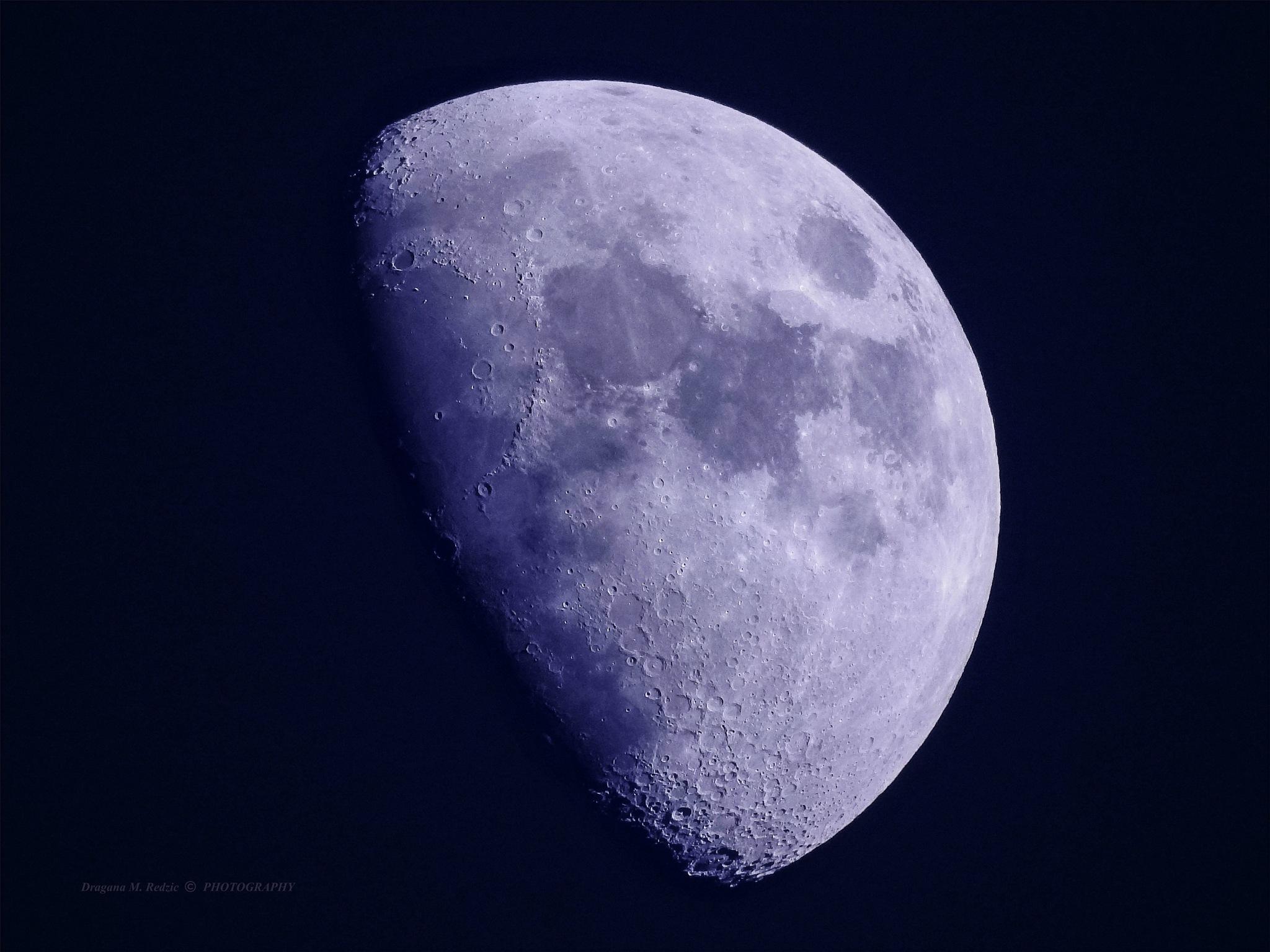 Violet Moon - White Balance: Fluorescent 1 by Драгана М. Реџић