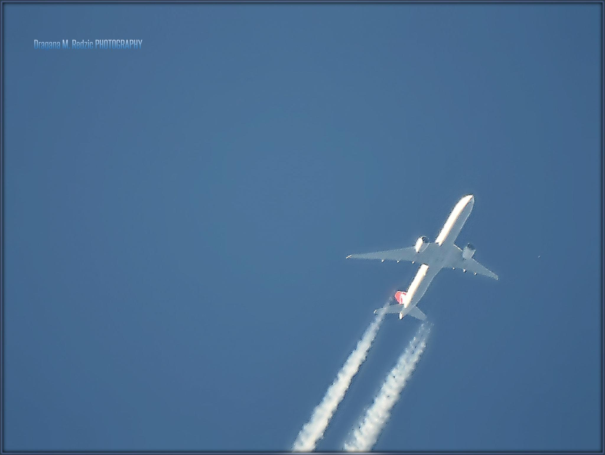 Airplane ~ close - up AF (5000m) by Драгана М. Реџић