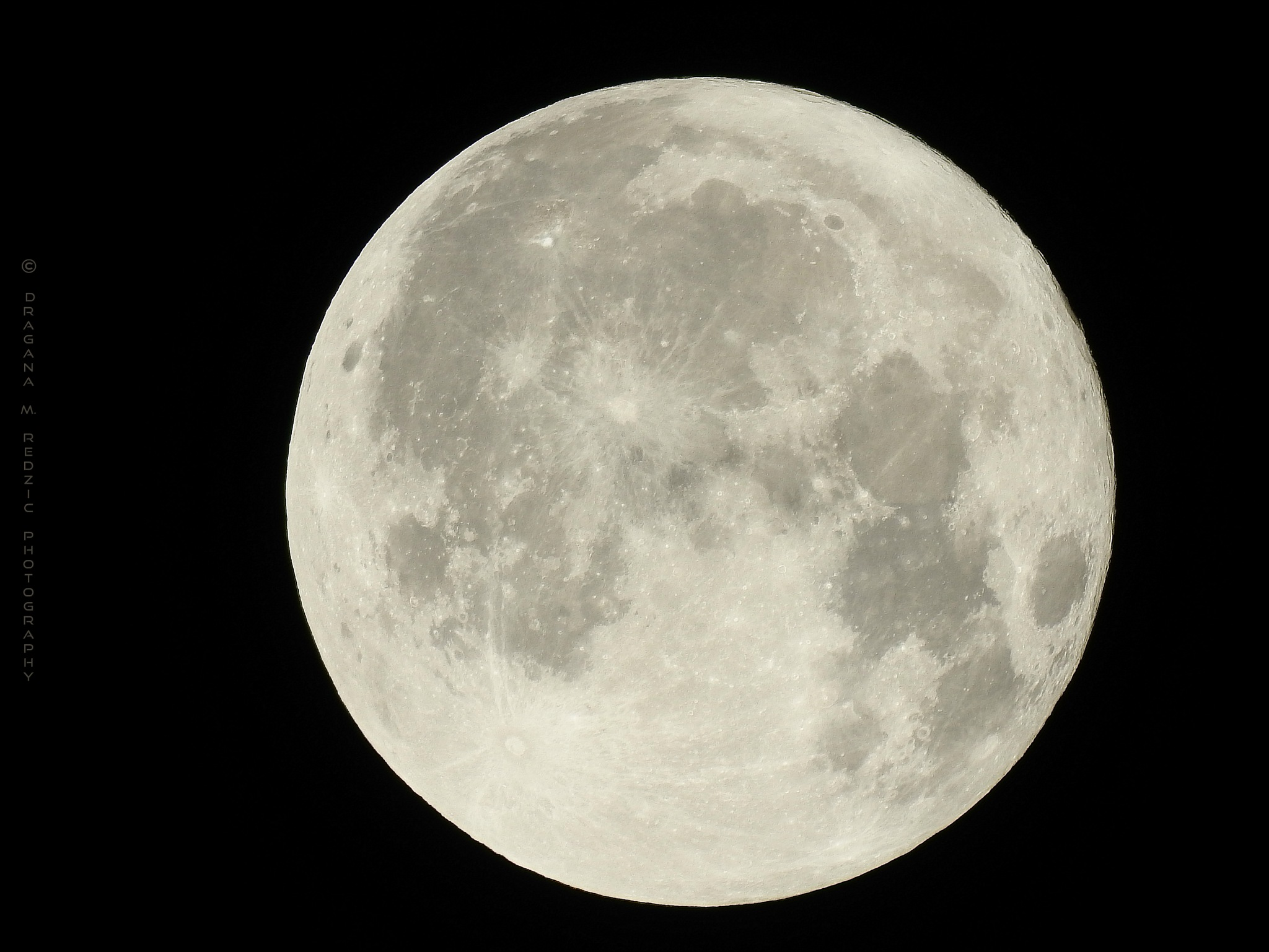 White Moon - Full Moon 99,8% by Драгана М. Реџић