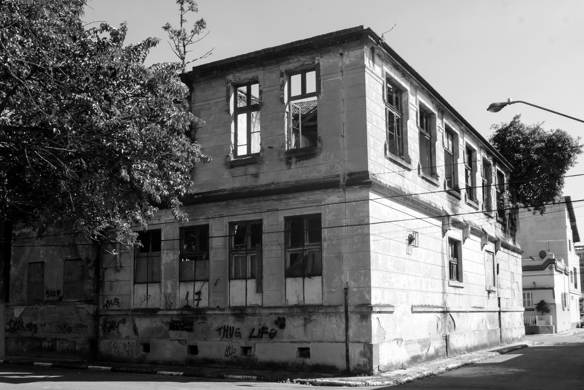 Vila Industrial by Marcos Lourenco