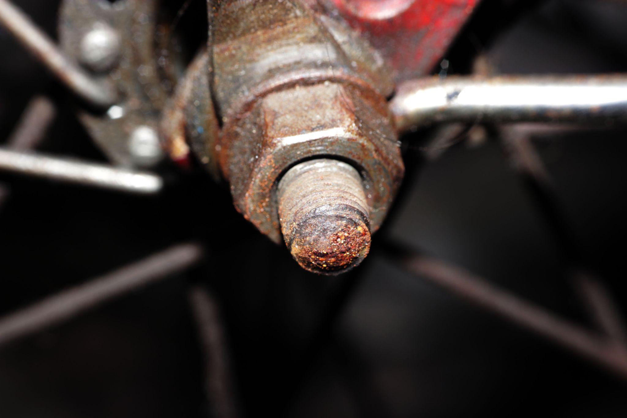 Rusty wheels by Suprijadi