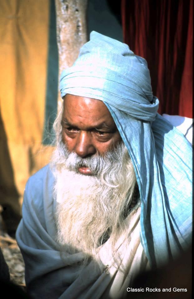 Kumbha Mela 2001 -  Prayag by classicrocksandgems