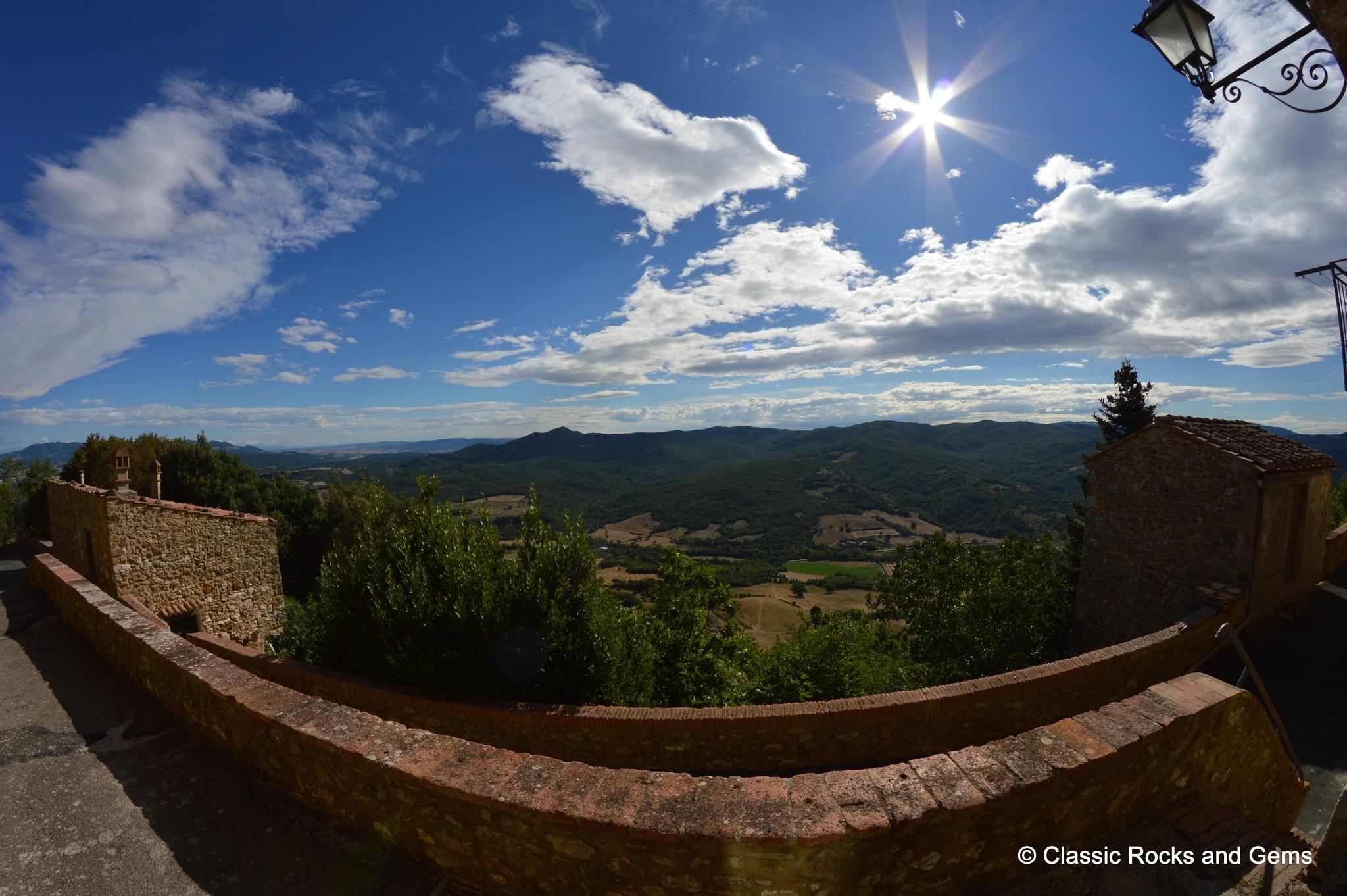 La Sassa - Tuscany by classicrocksandgems