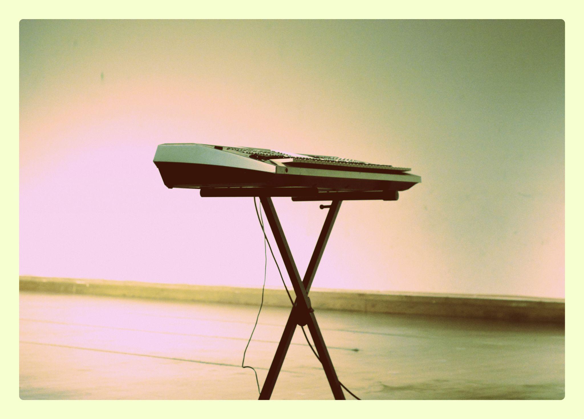 Piano(2) by Kevin Tony