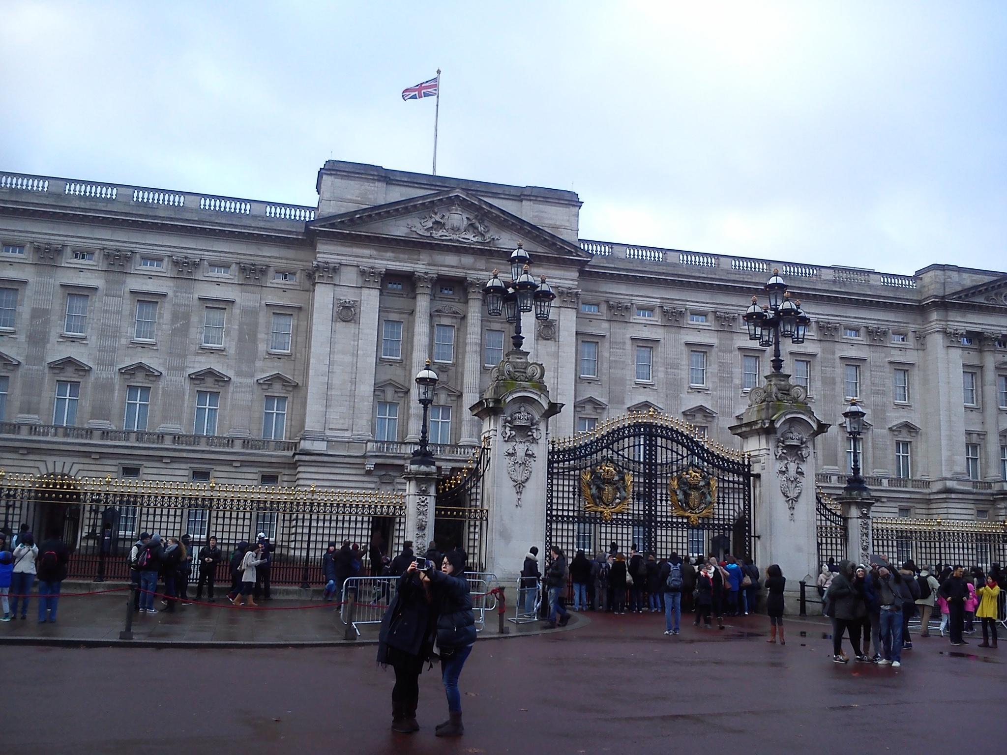 Buckingham Palace, London by Gunnerman85