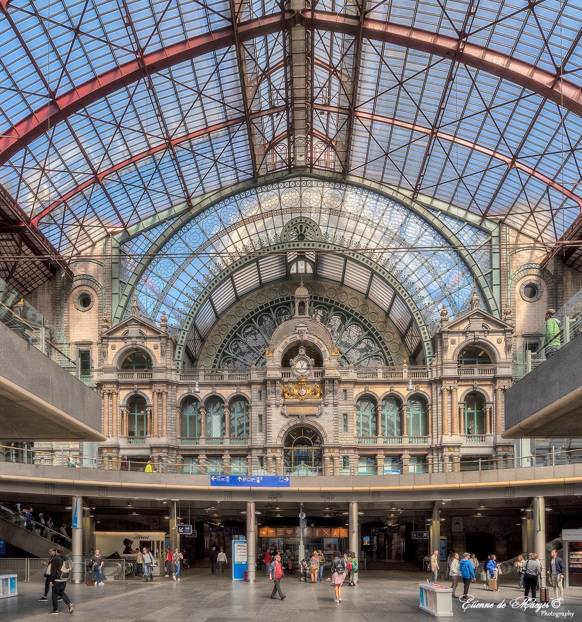 Antwerpen Centraal Station by Etienne de Maeyer