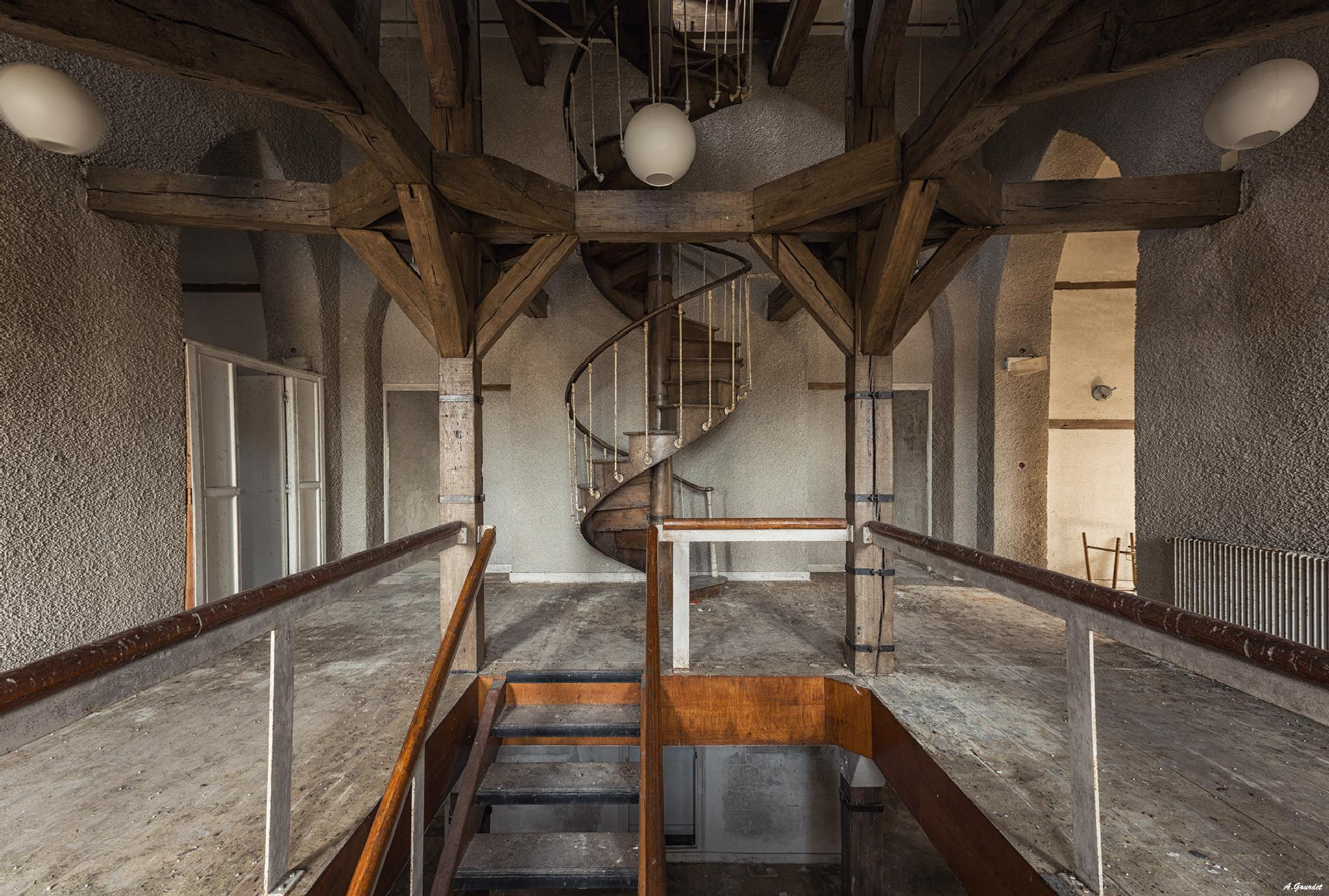 The haunted stairs - Château gémeau by anthonygourdet3