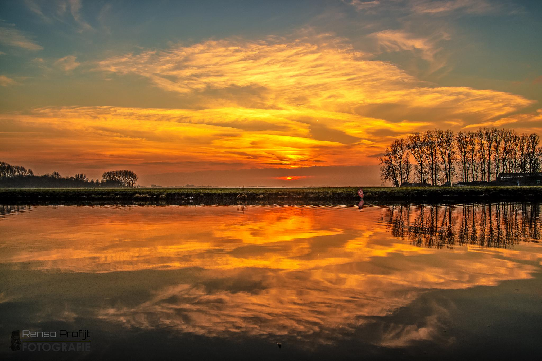 Sunset in the Netherlands  by rensoprofijt
