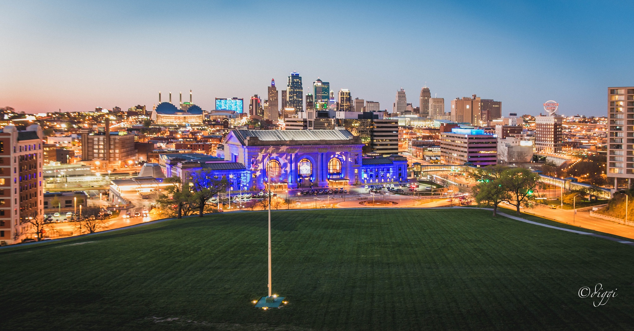 Night is taking over downtown Kansas City by Diggi