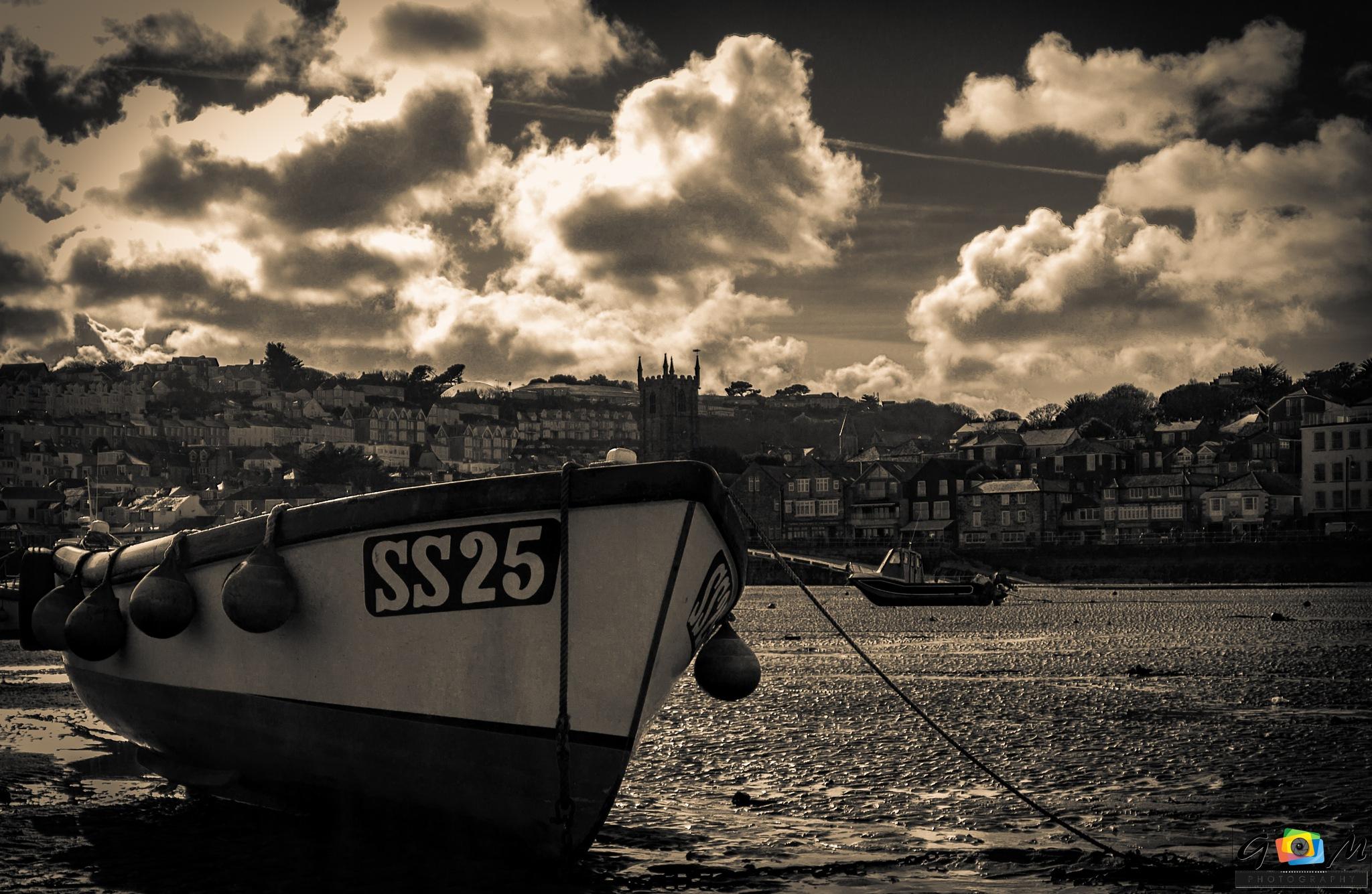 tides out by Graeme Mathieson