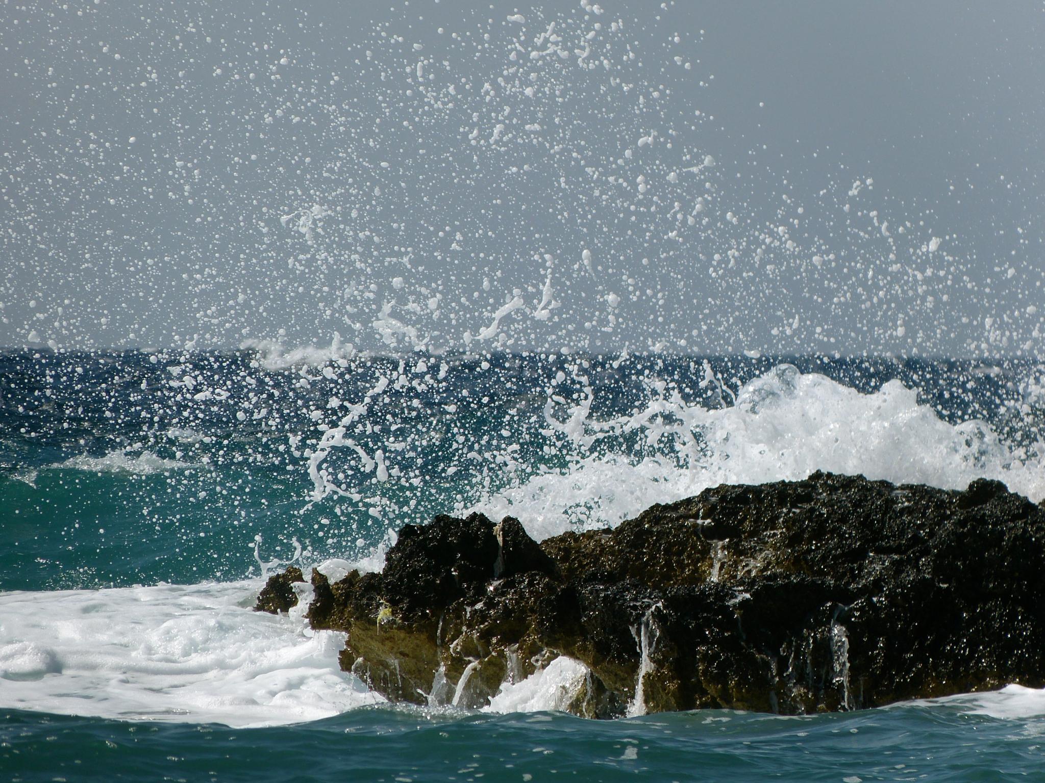 The Sea by peterkryzun