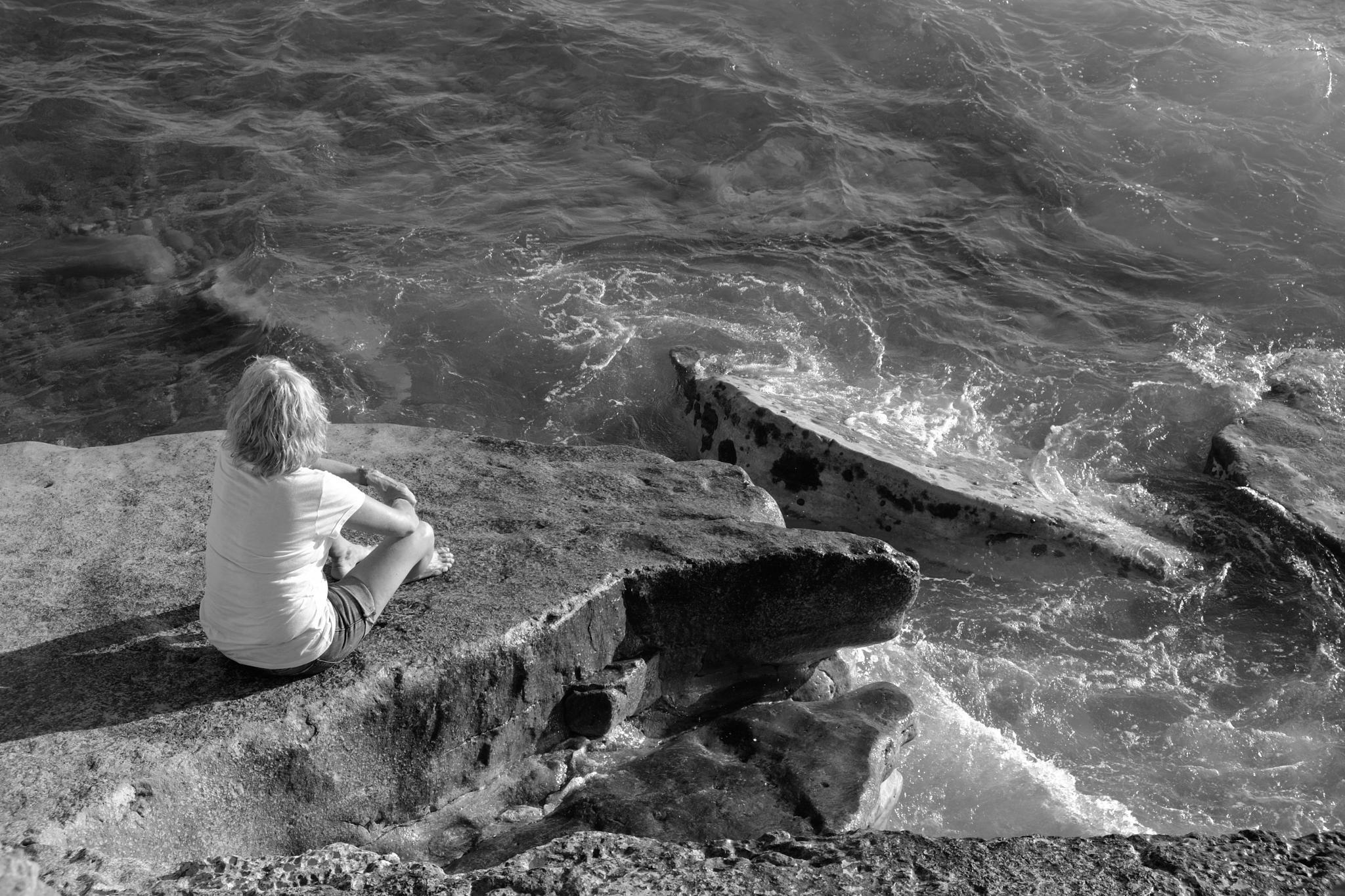 Alone by peterkryzun