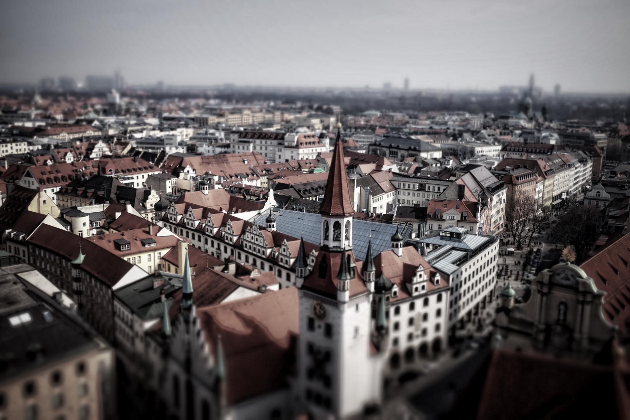 Über den Dächern von München by peterkryzun
