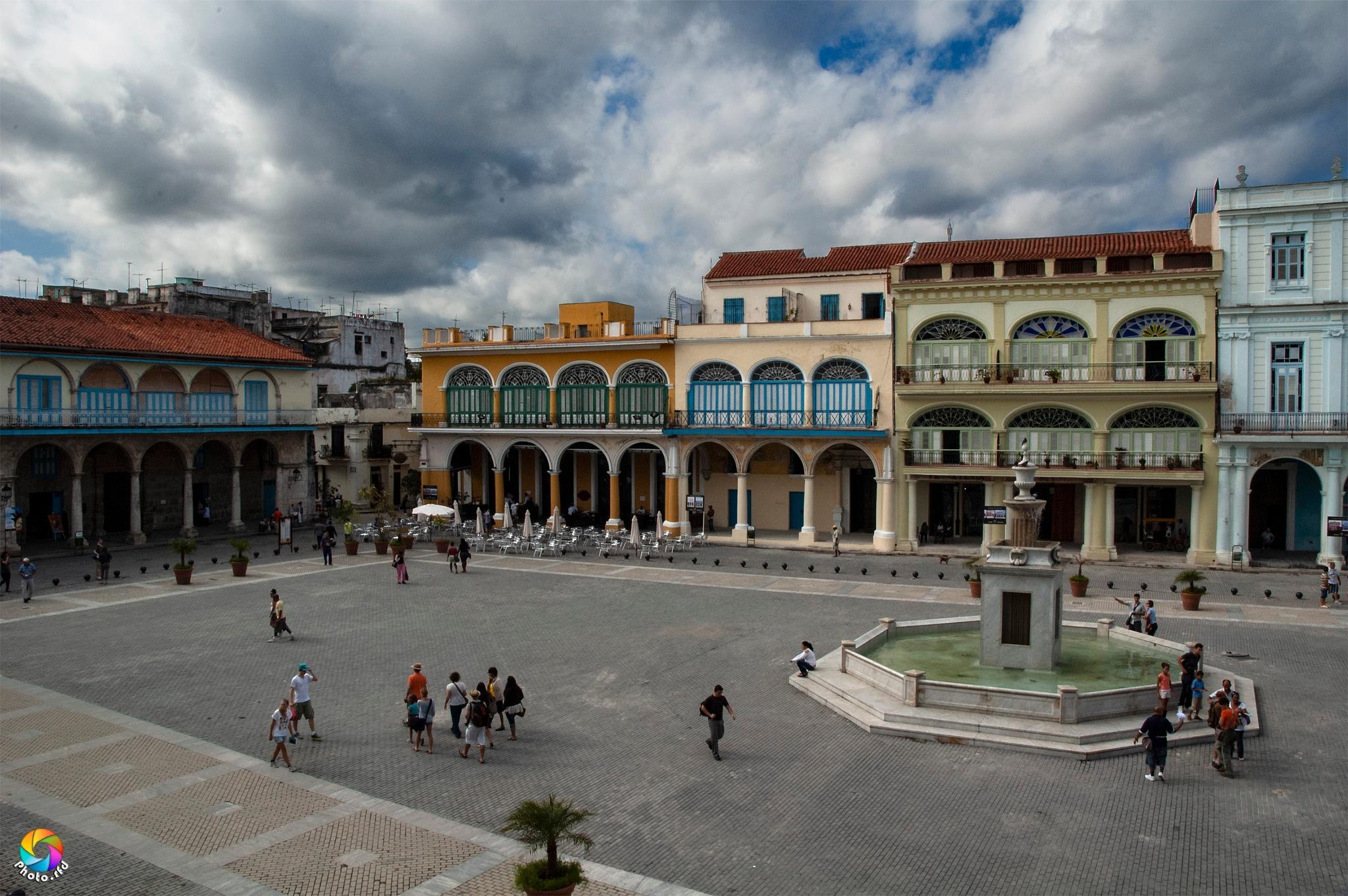 Plaza Vieja by Photo_rfd