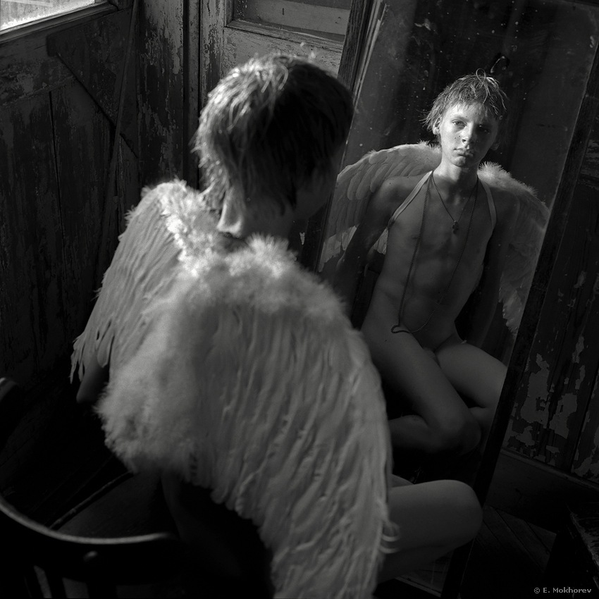 Fedor at the mirror. 2009. by Evgeny Mokhorev