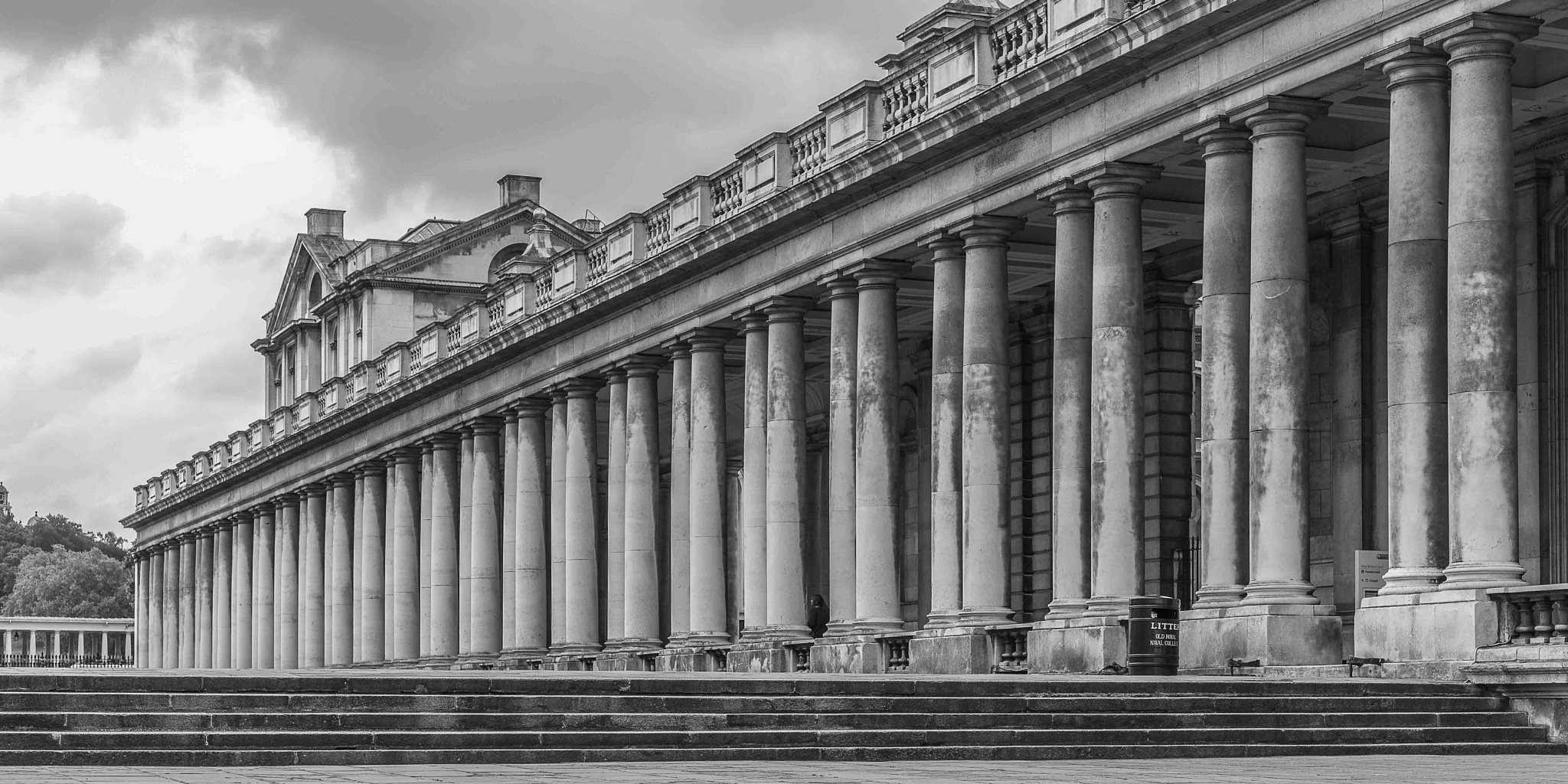 colonnade and she by ignacy50