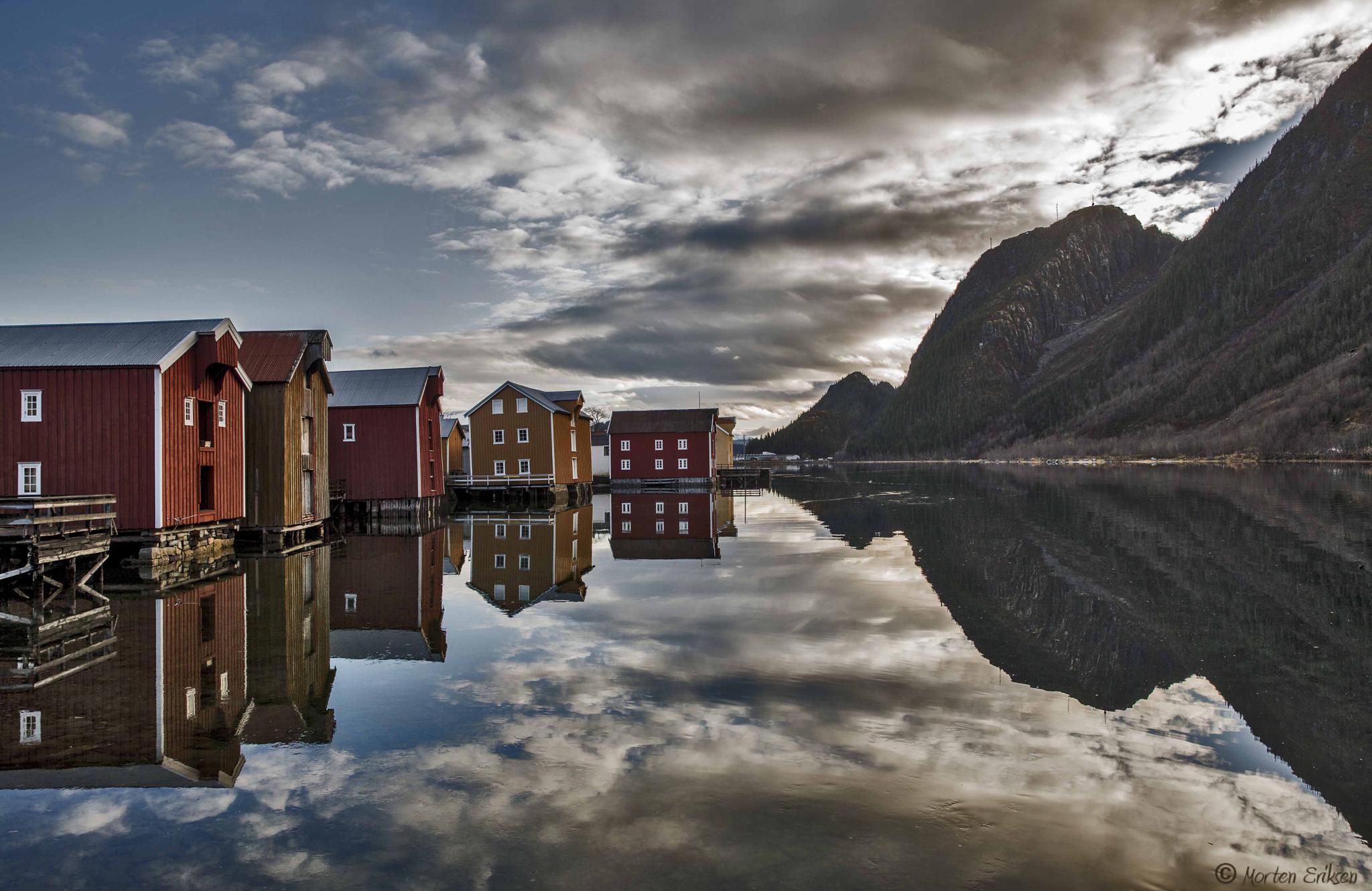 Sjøgata i Mosjøen by Morten Eriksen