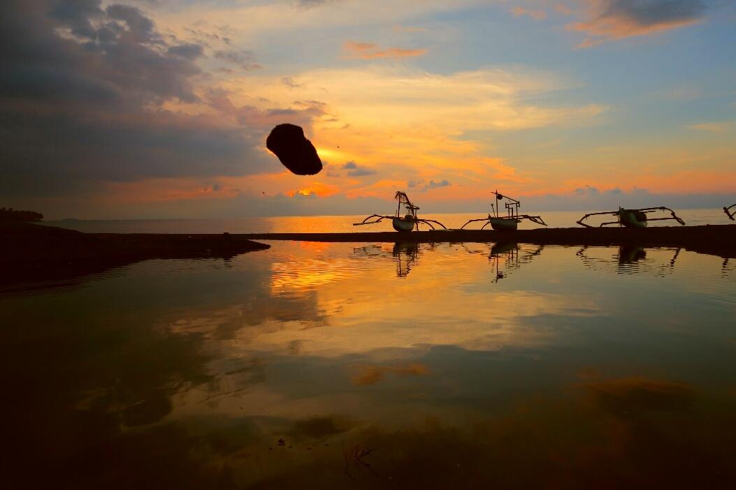 flying stone by alam kundam