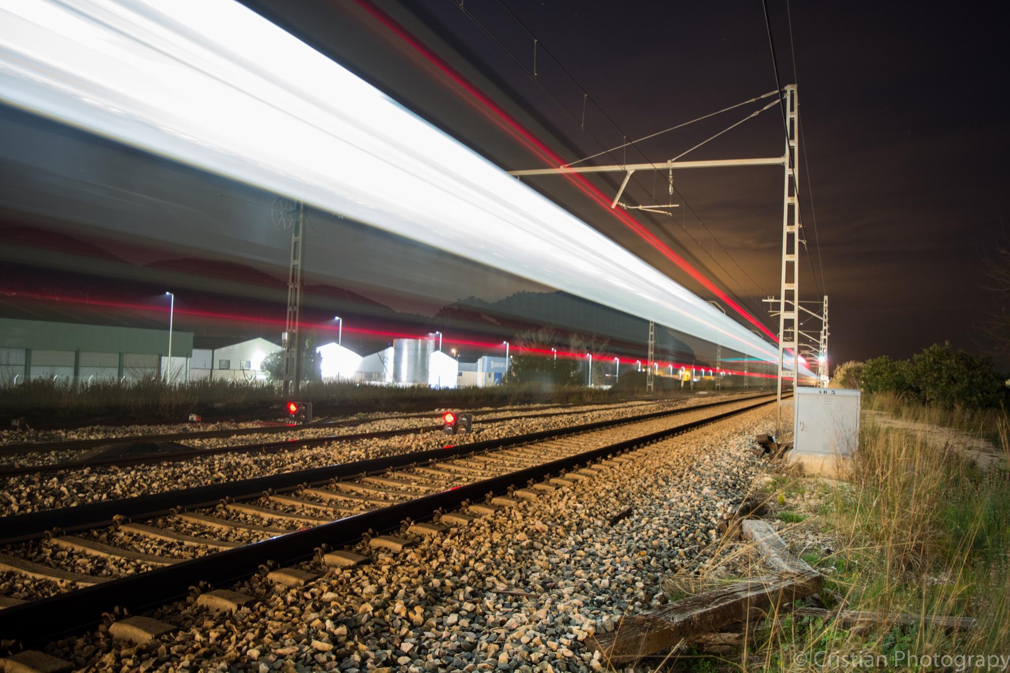 Tren de alta velocidad by cristianphotography