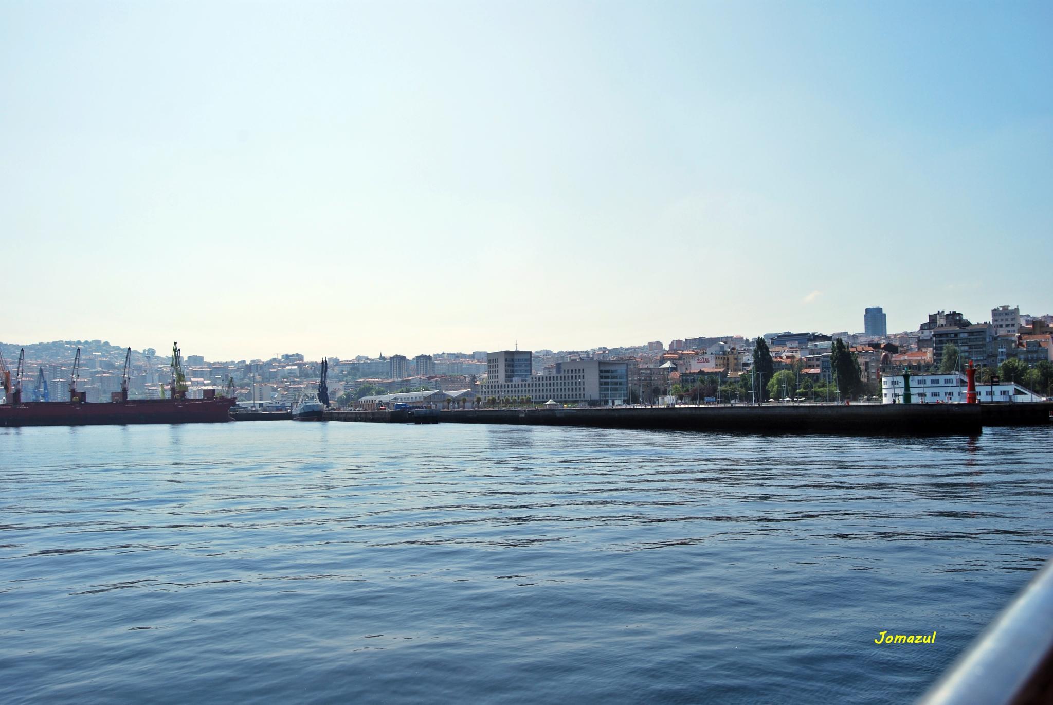 Porto de Vigo. by Jomazul Varela