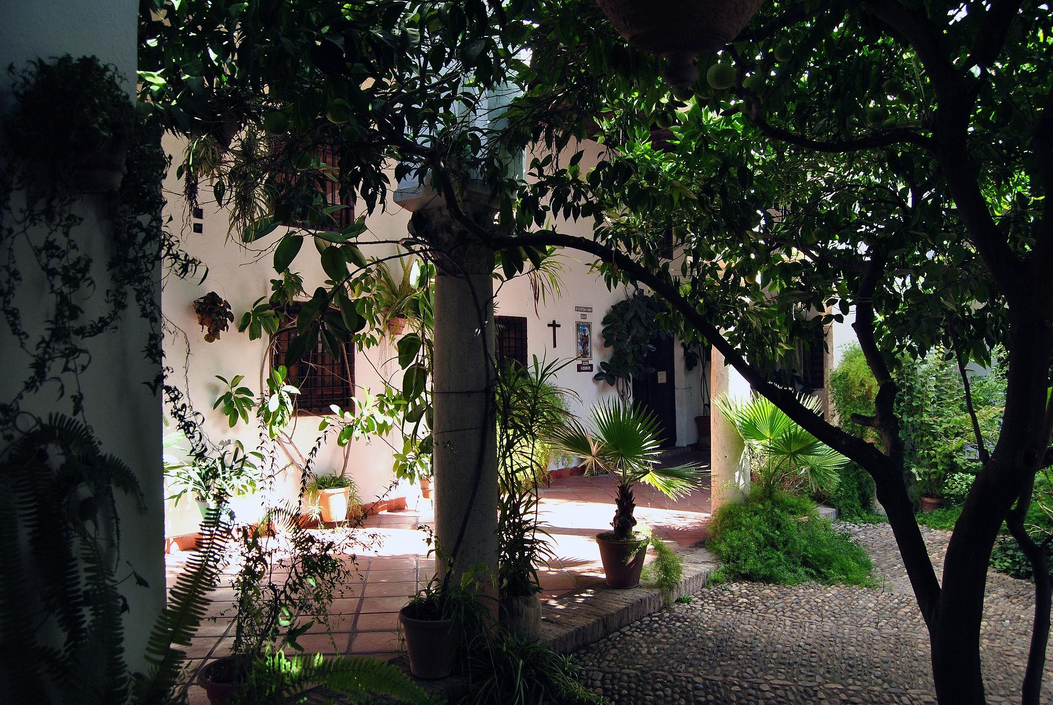 Patio del convento de las Capuchinas. Córdoba by DavidRoldan