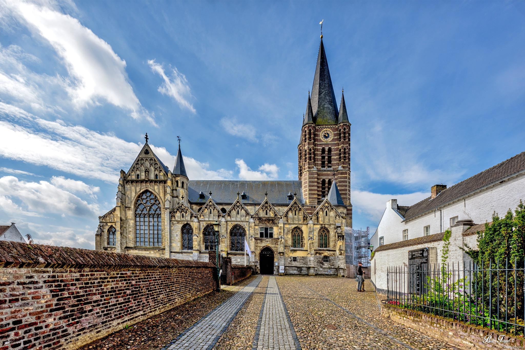 Church of  thorn by Bob Firquet