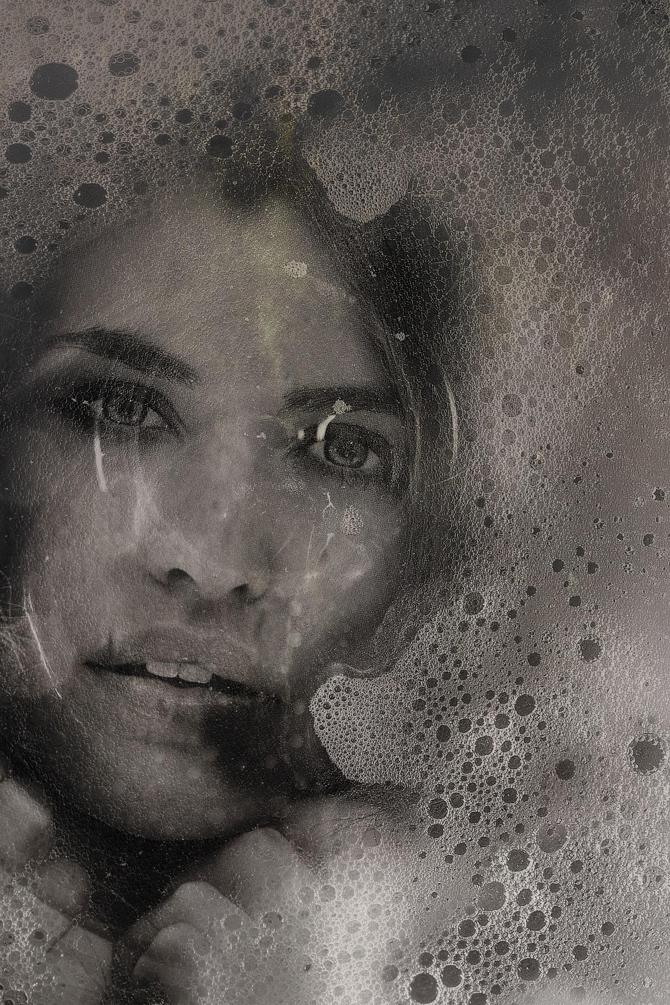 under water by Renaat