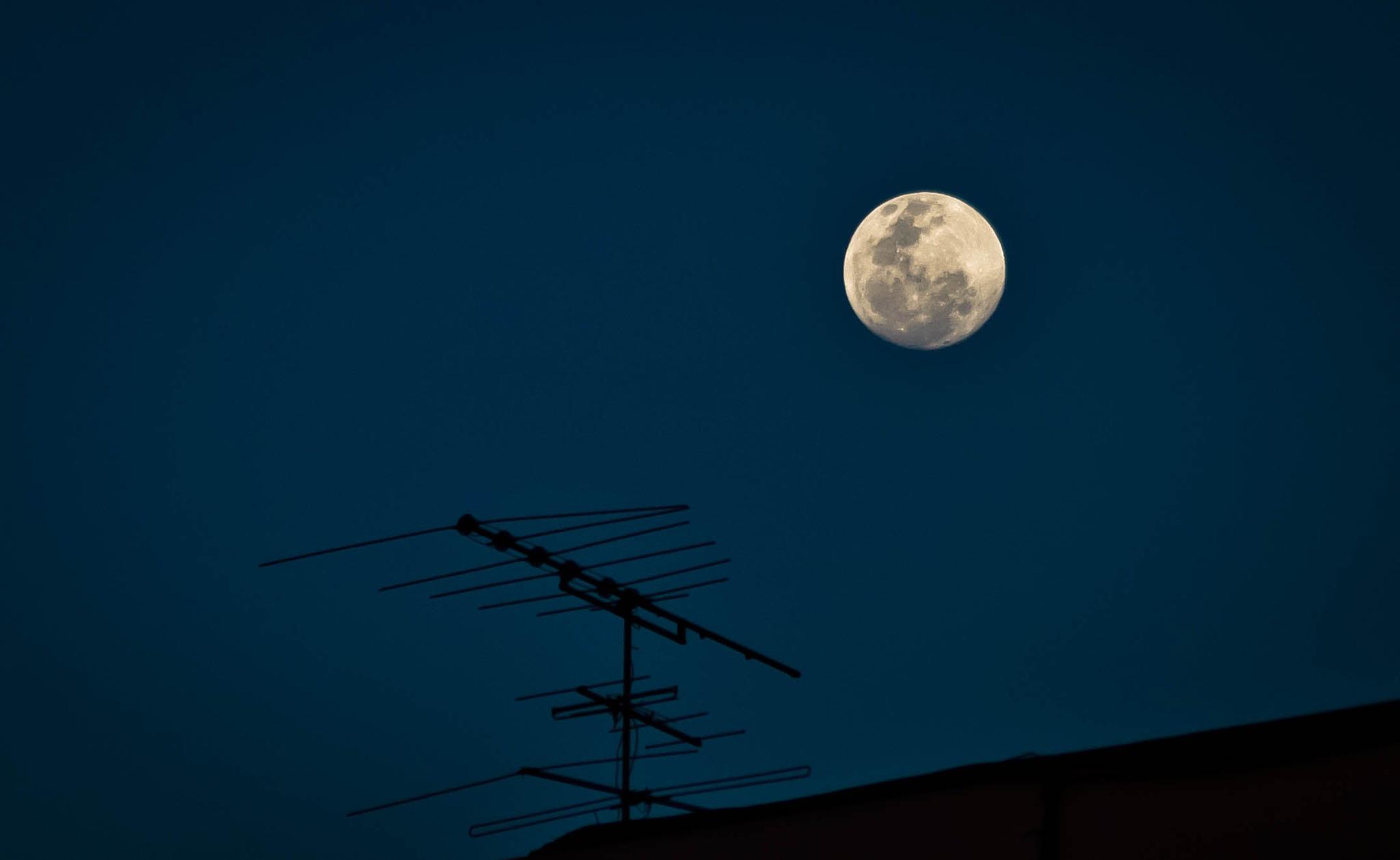 Noche de luna llena by oscarruben_suarez