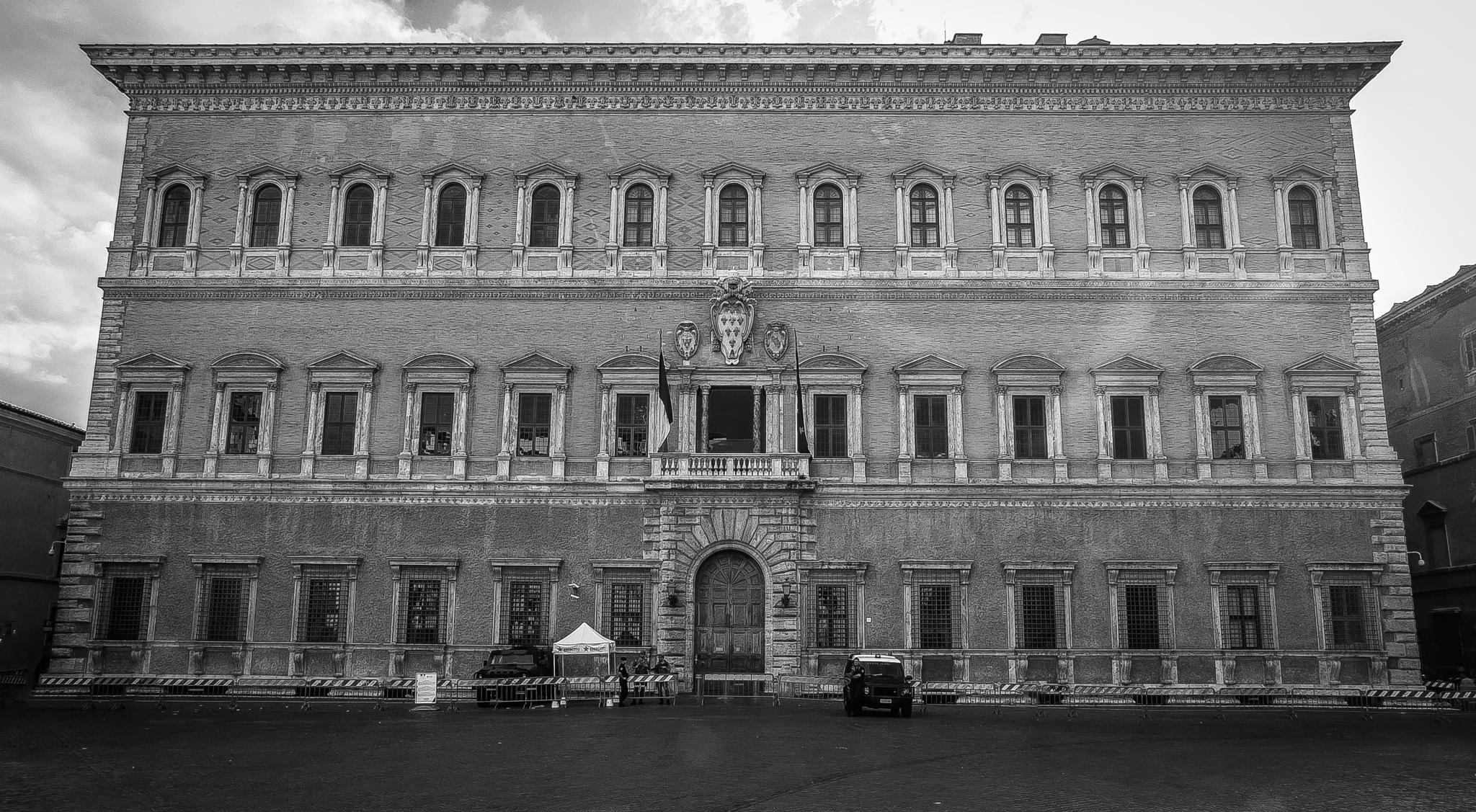 Palazzo Farnese by oscarruben_suarez