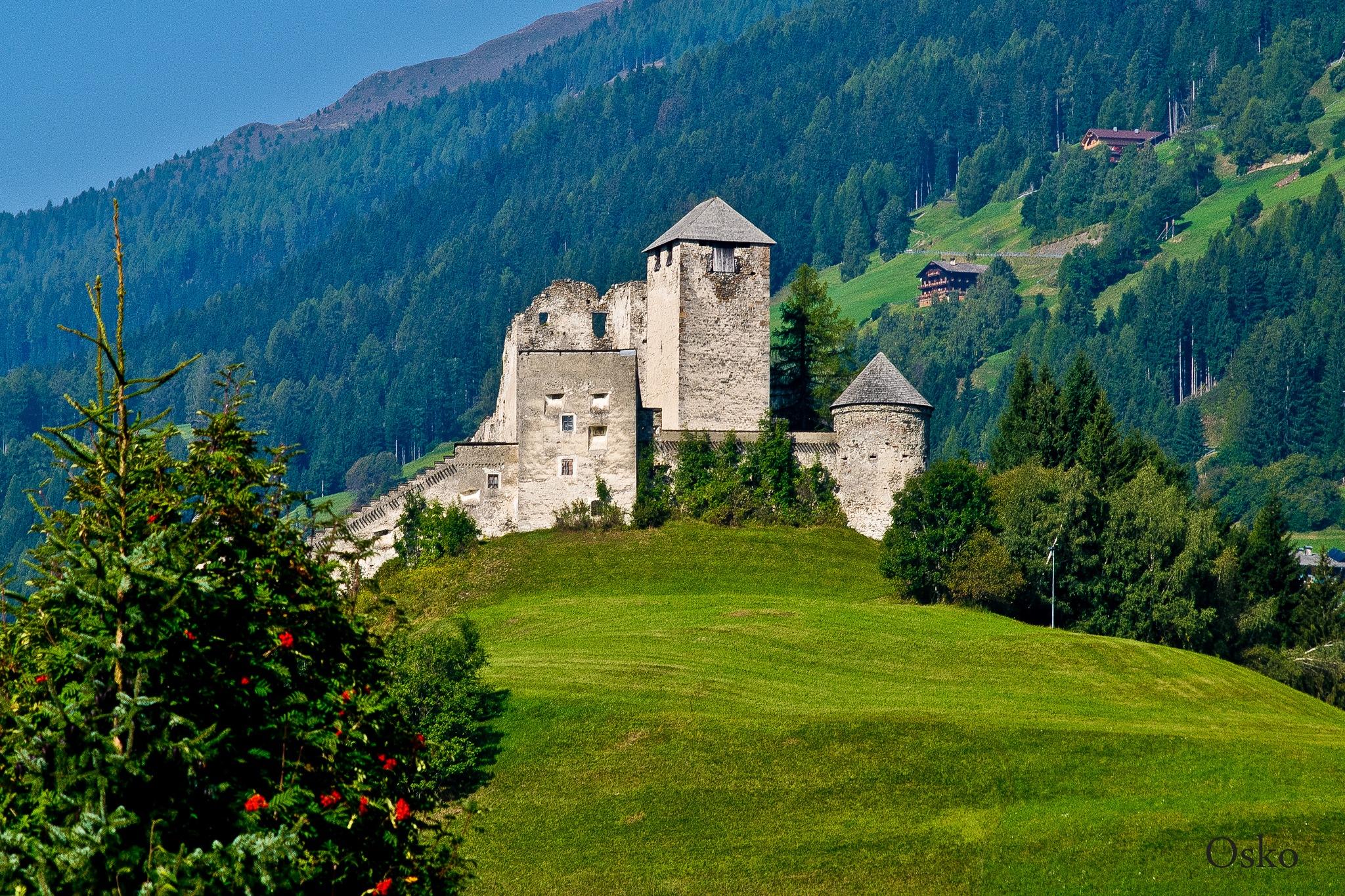 Castillo en Austria by oscarruben_suarez