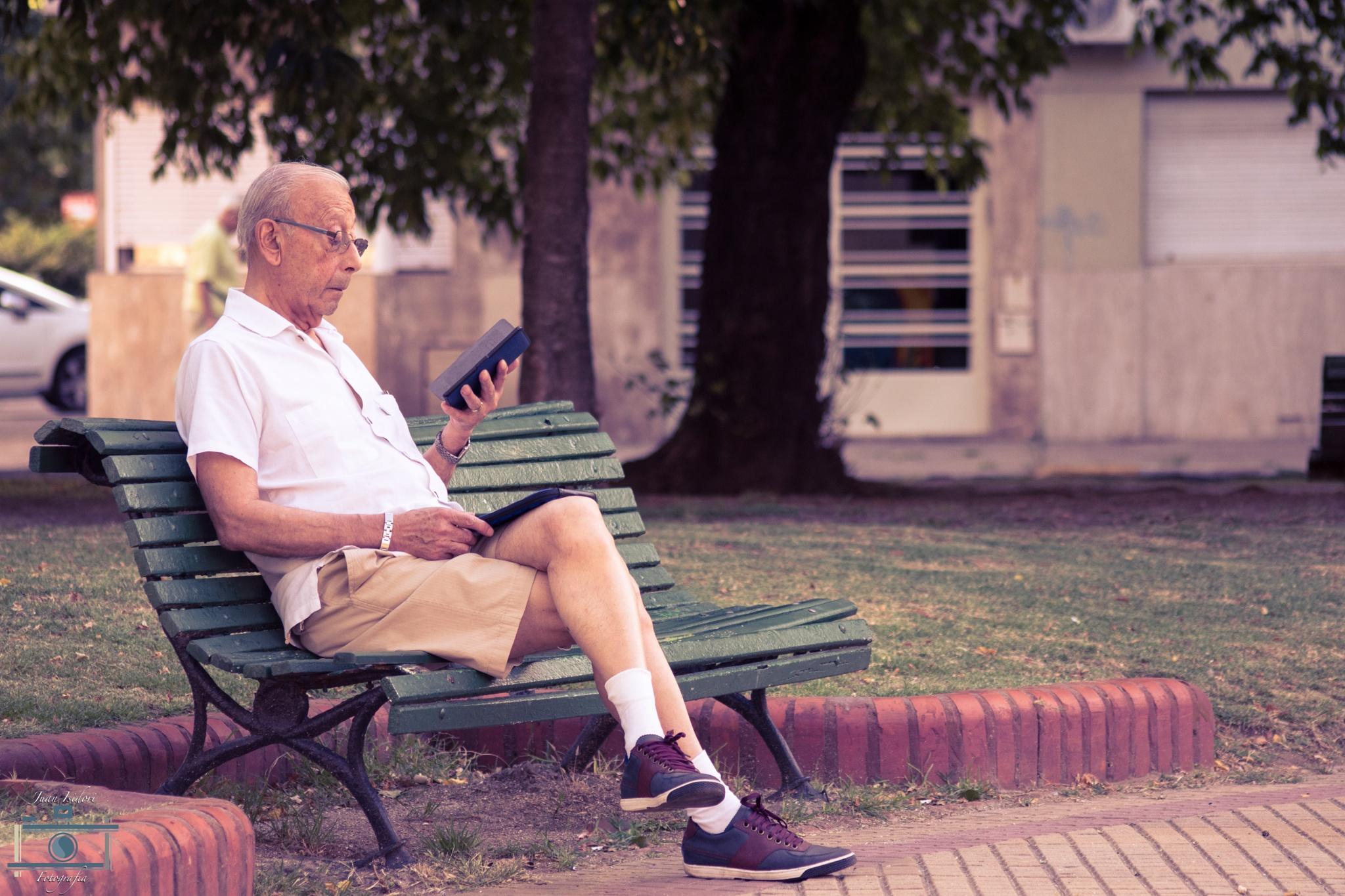 Old man 2.0 by Juan Pablo Isidori