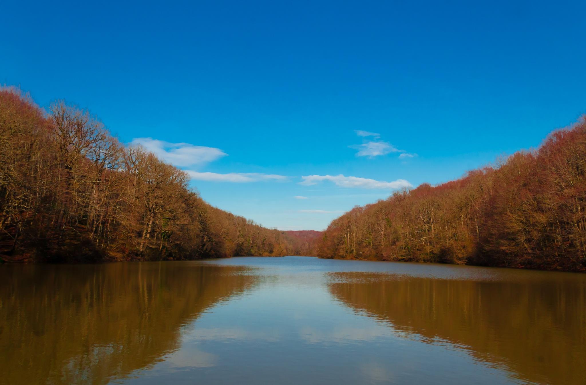 Valide Sultan Lake by Ali aldourzy