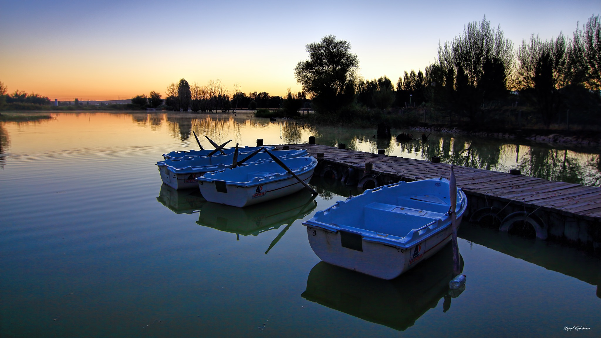 Boats on the river :) by LEVENT AKDUMAN