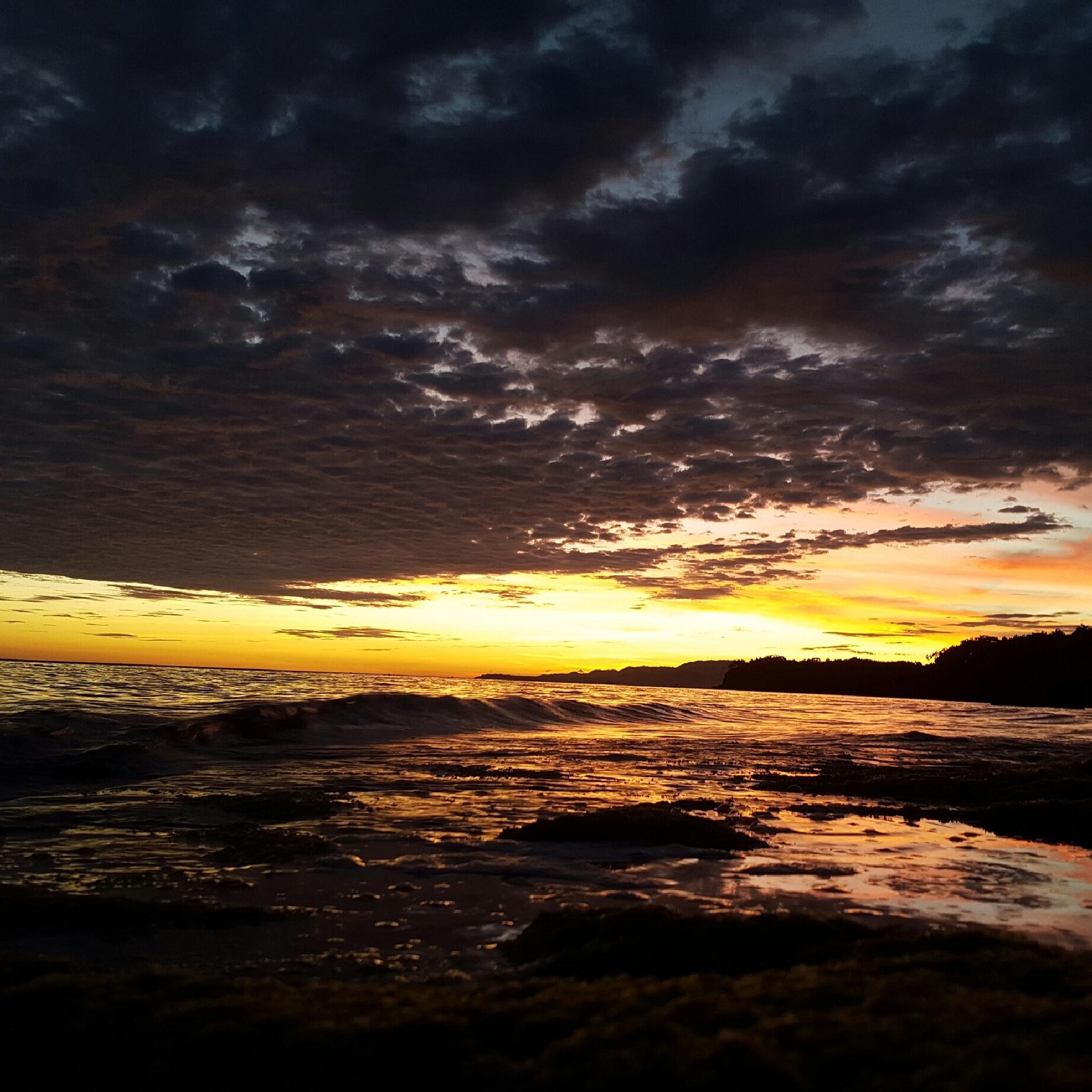 Phillipine Sunset by Robin Dekker