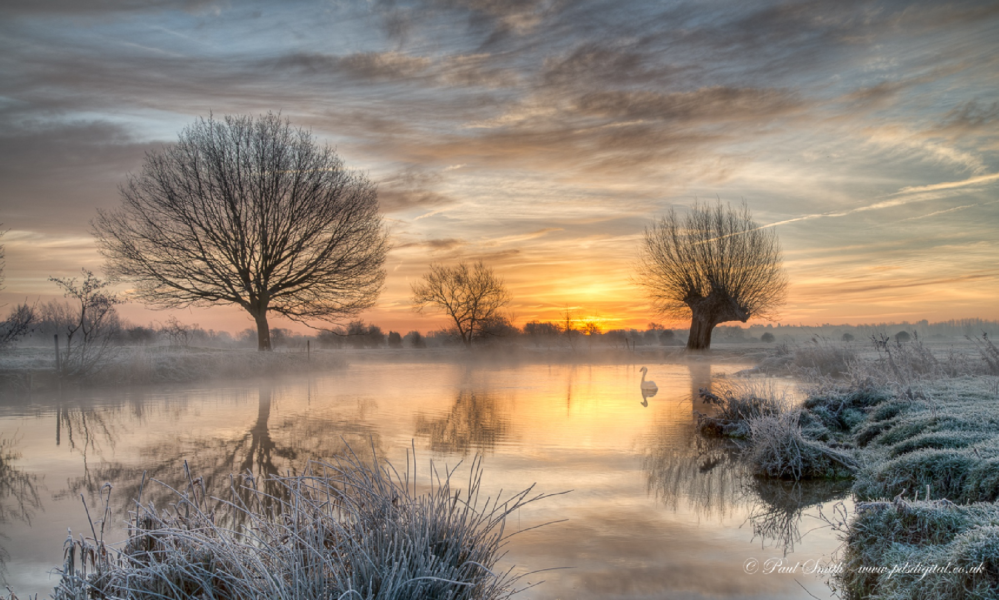 Mist & Frost on the Stour by Paul Smith