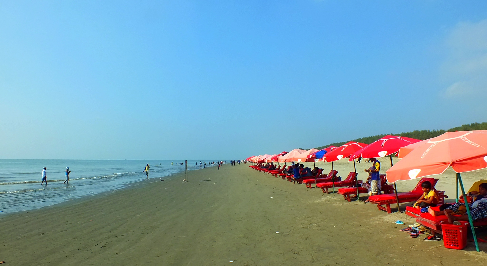 "The largest sea beach In the World ""Cox's Bazar, Bangladesh"" by Leakot"