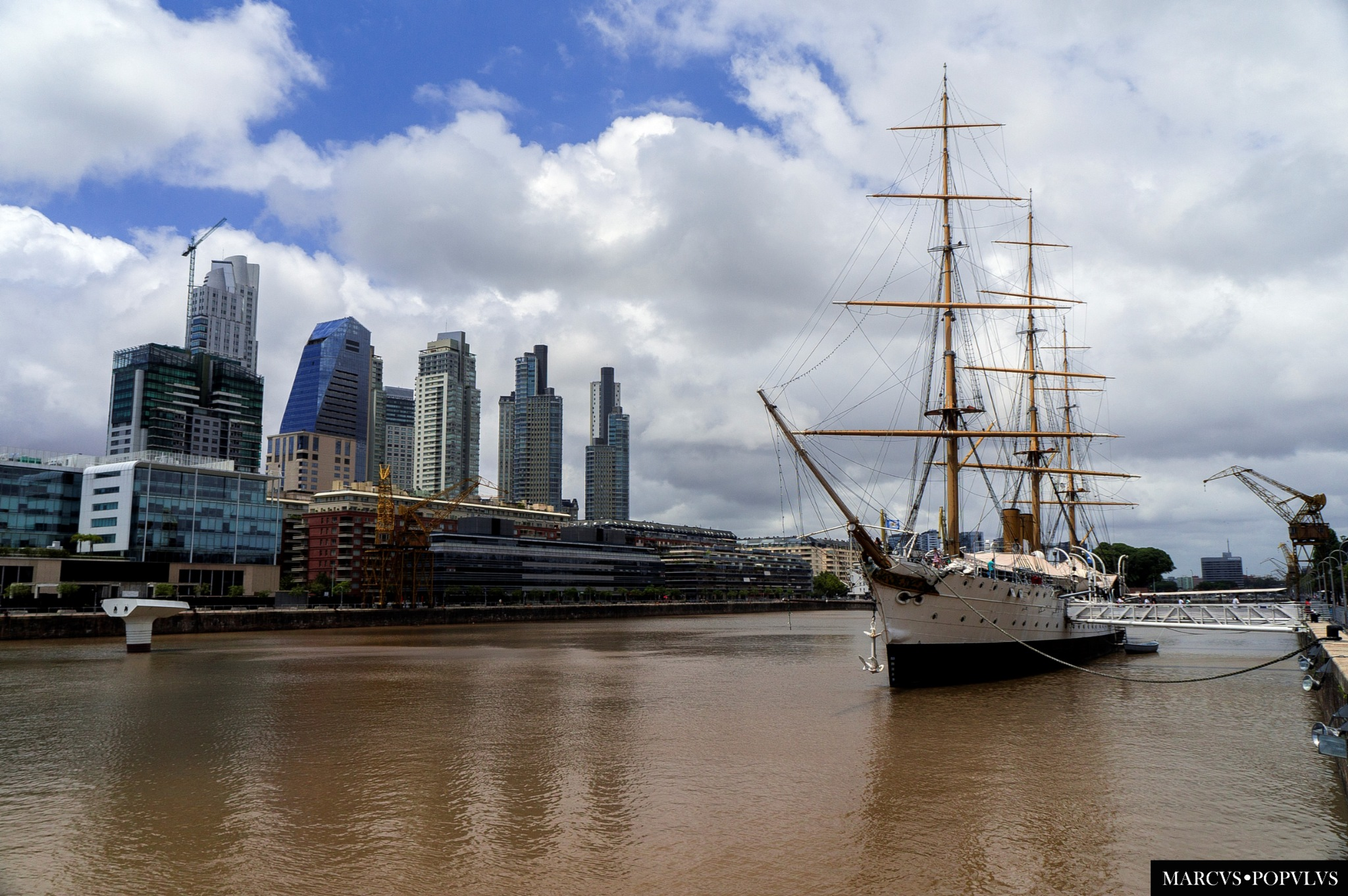 Puerto Madero. by Marcus Populus