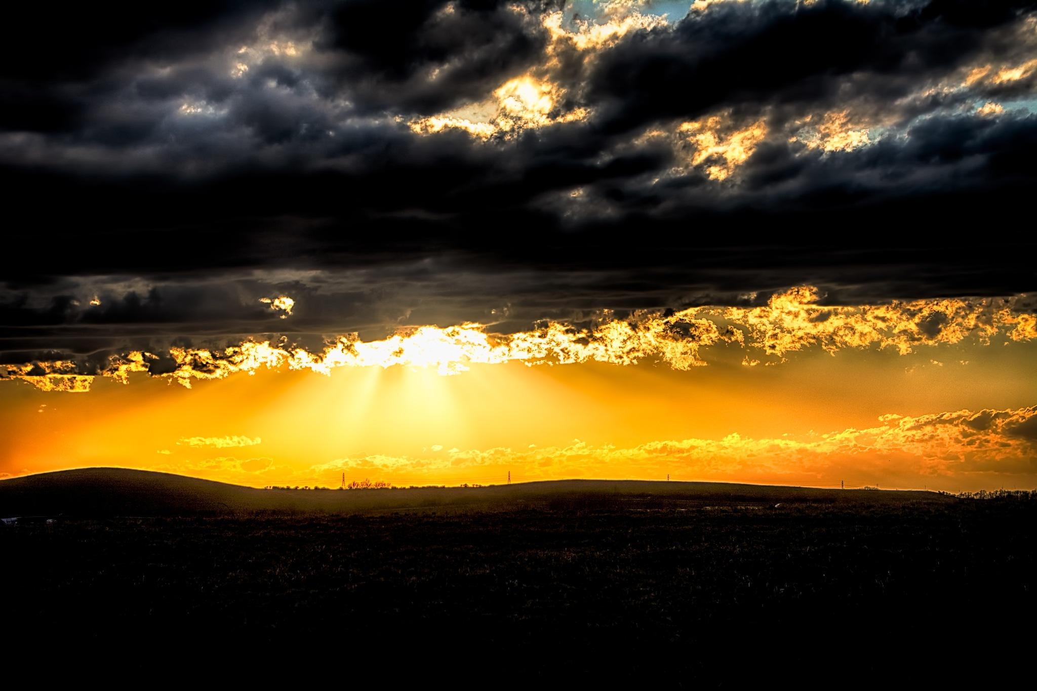 Golden Rays by 68steelphotos