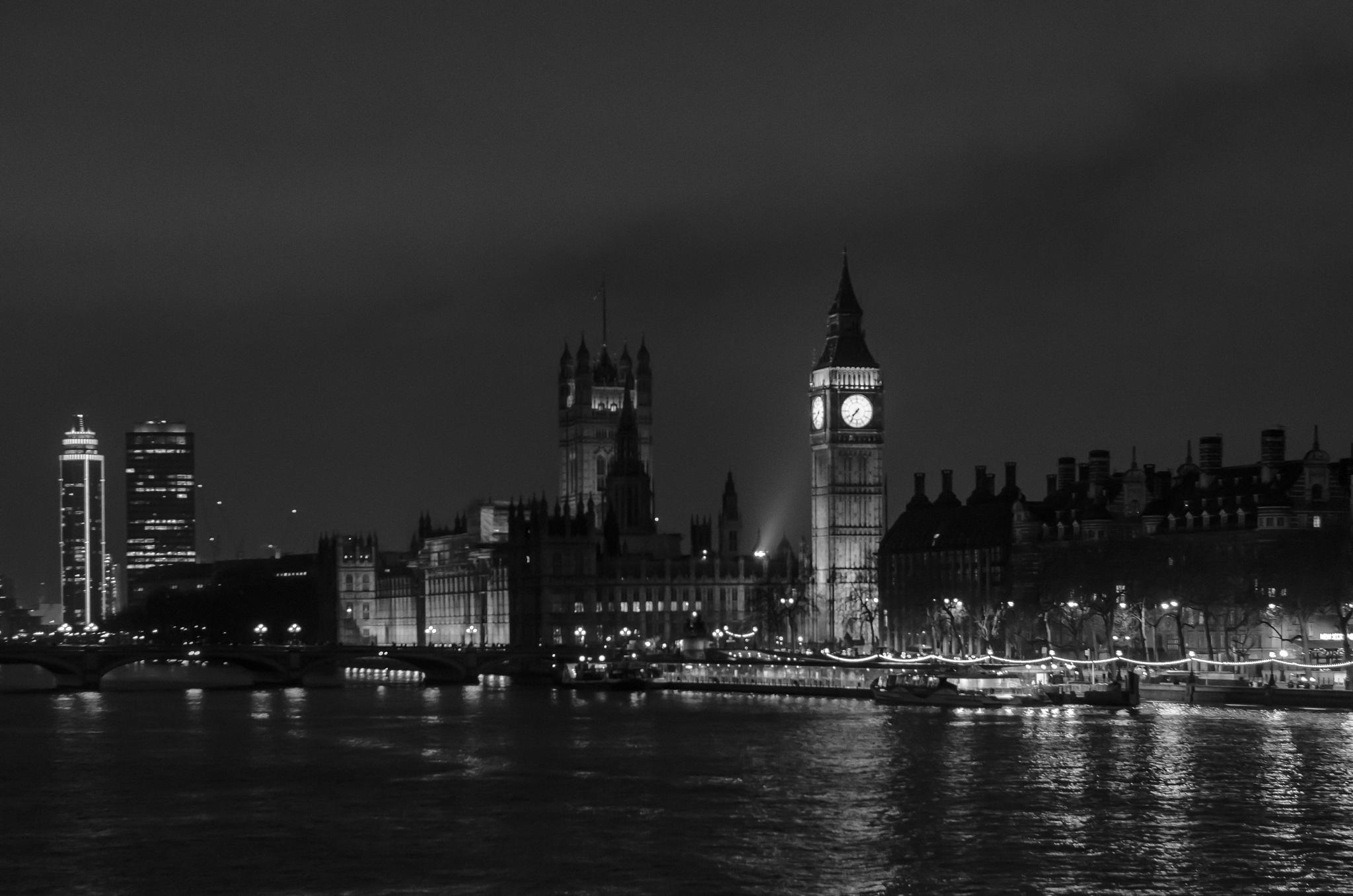 Night in London by Bogdan Mihaileanu