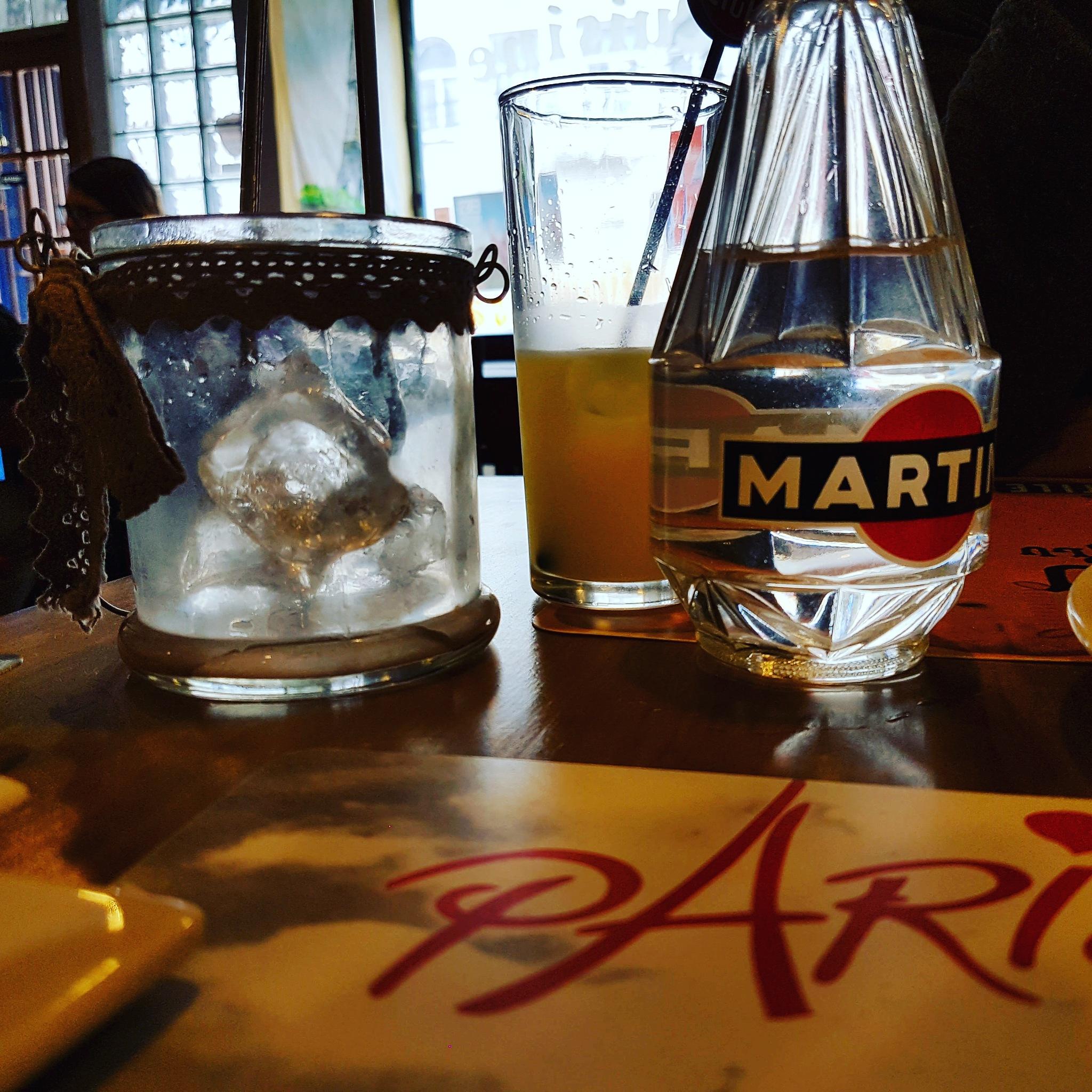 Pernod by rvelascog