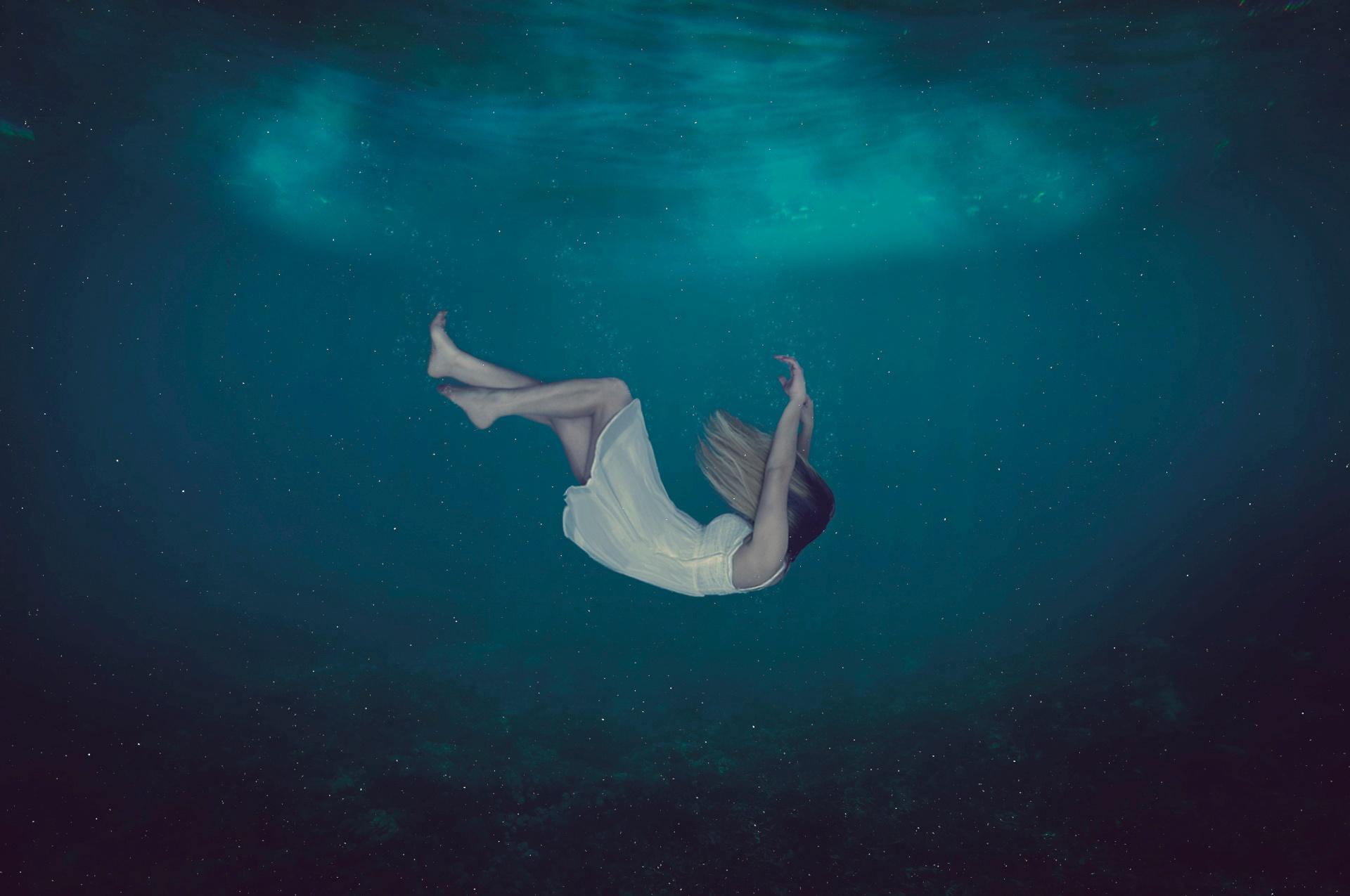 al vacio by Melanie Rodriguez