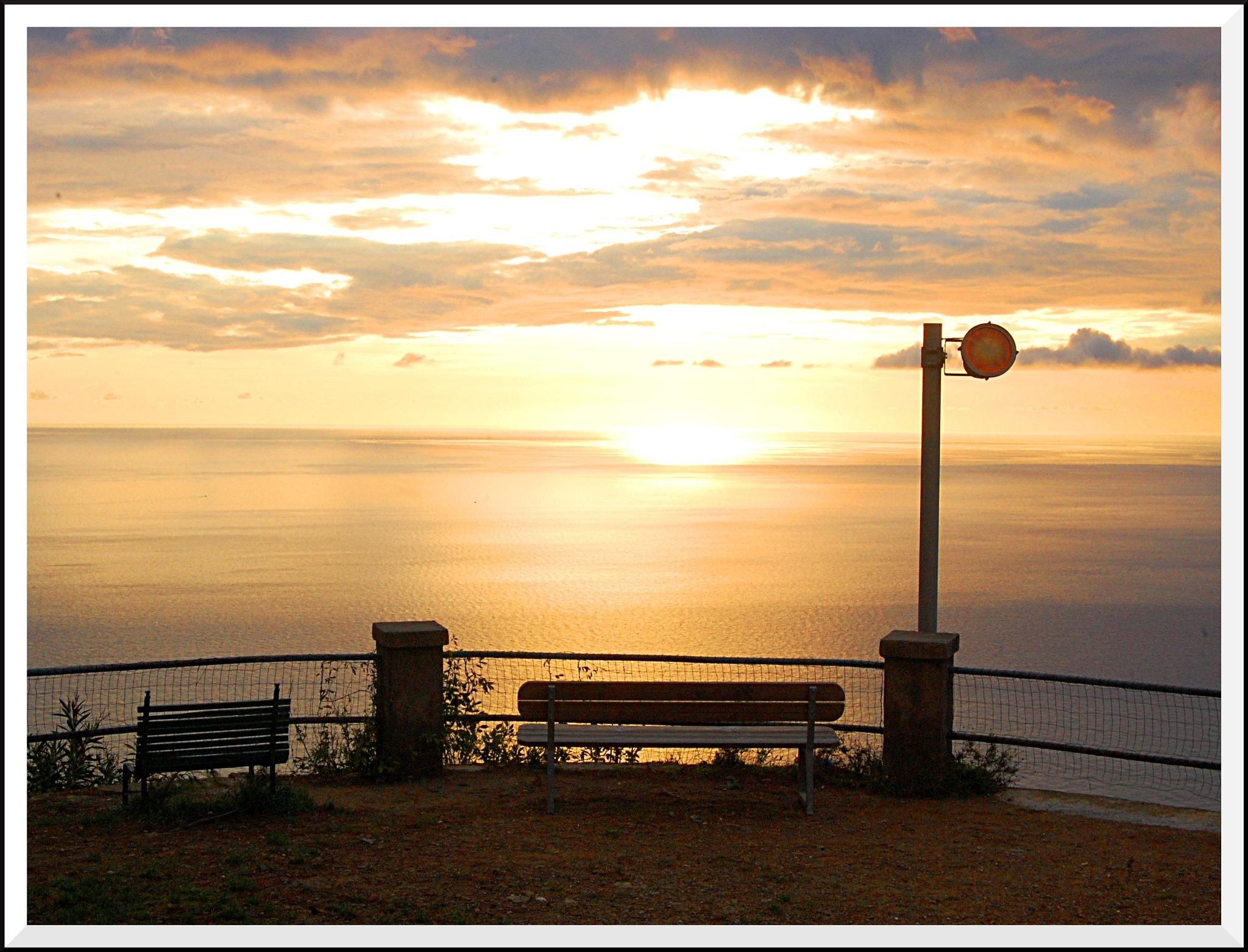 Sunset over ligurian sea by Andrea Macherelli Bianchini