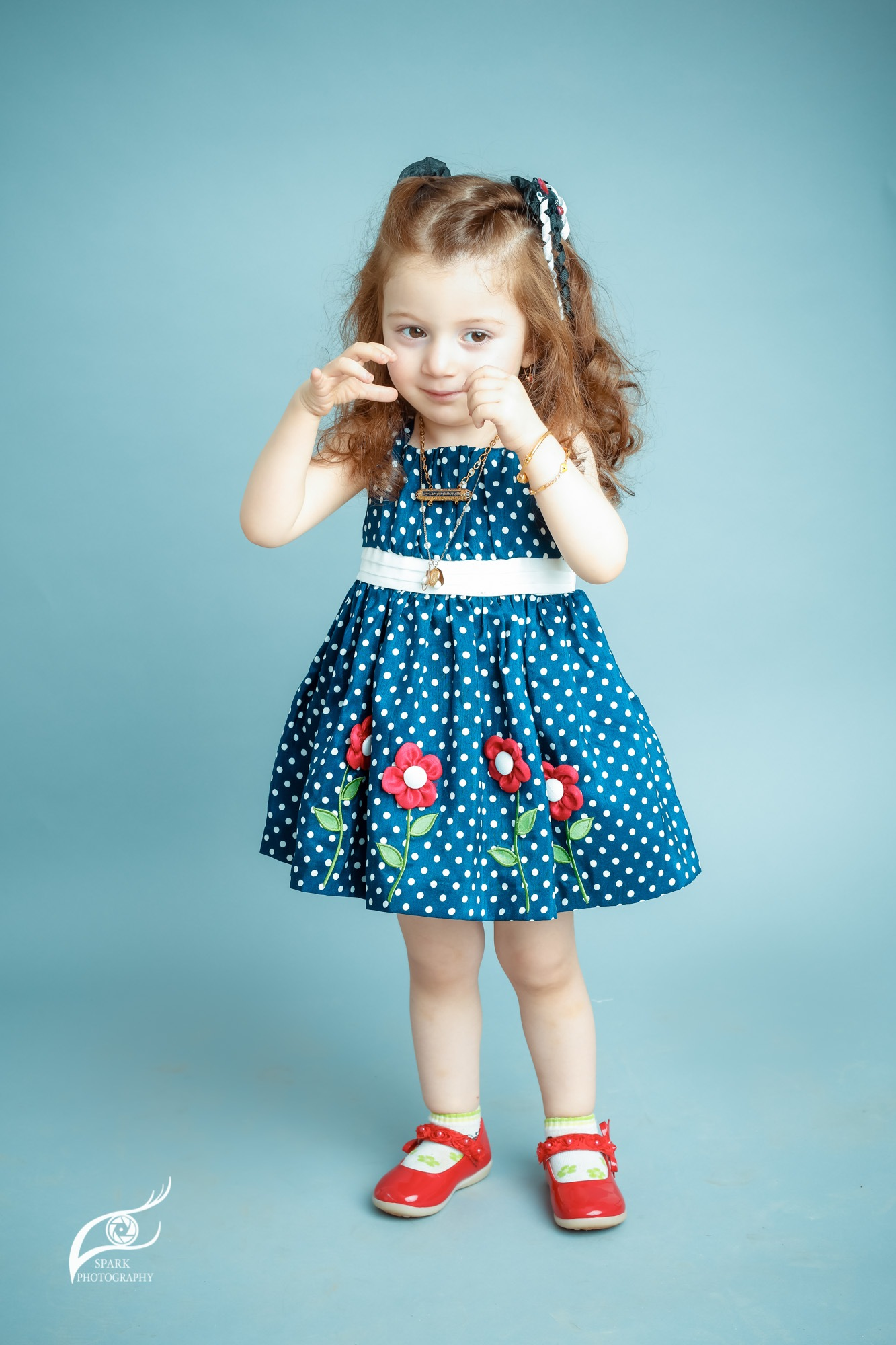 Cute child in Studio by Sparkphotopro